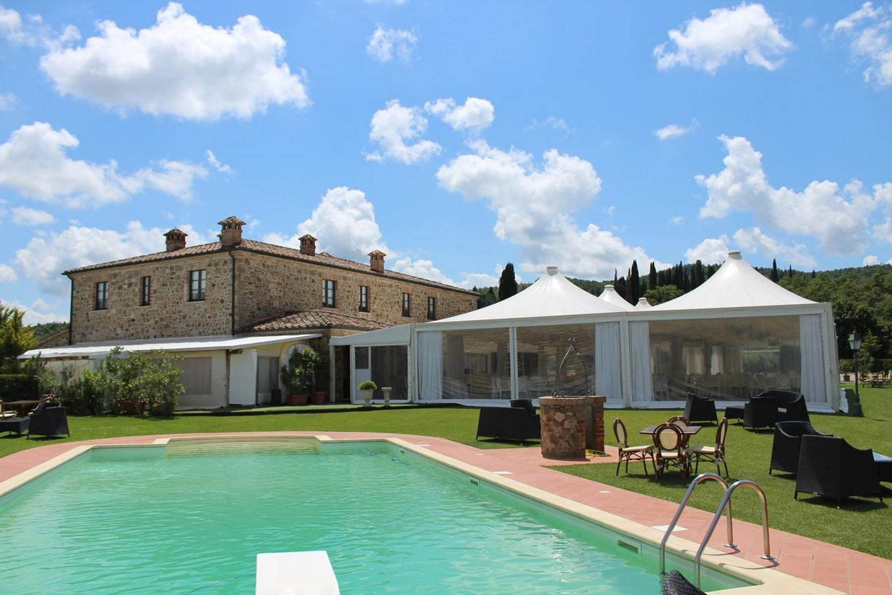 Beautiful Boutique Hotel with Restaurant and SPA in the hills of Torrita di Siena - 9