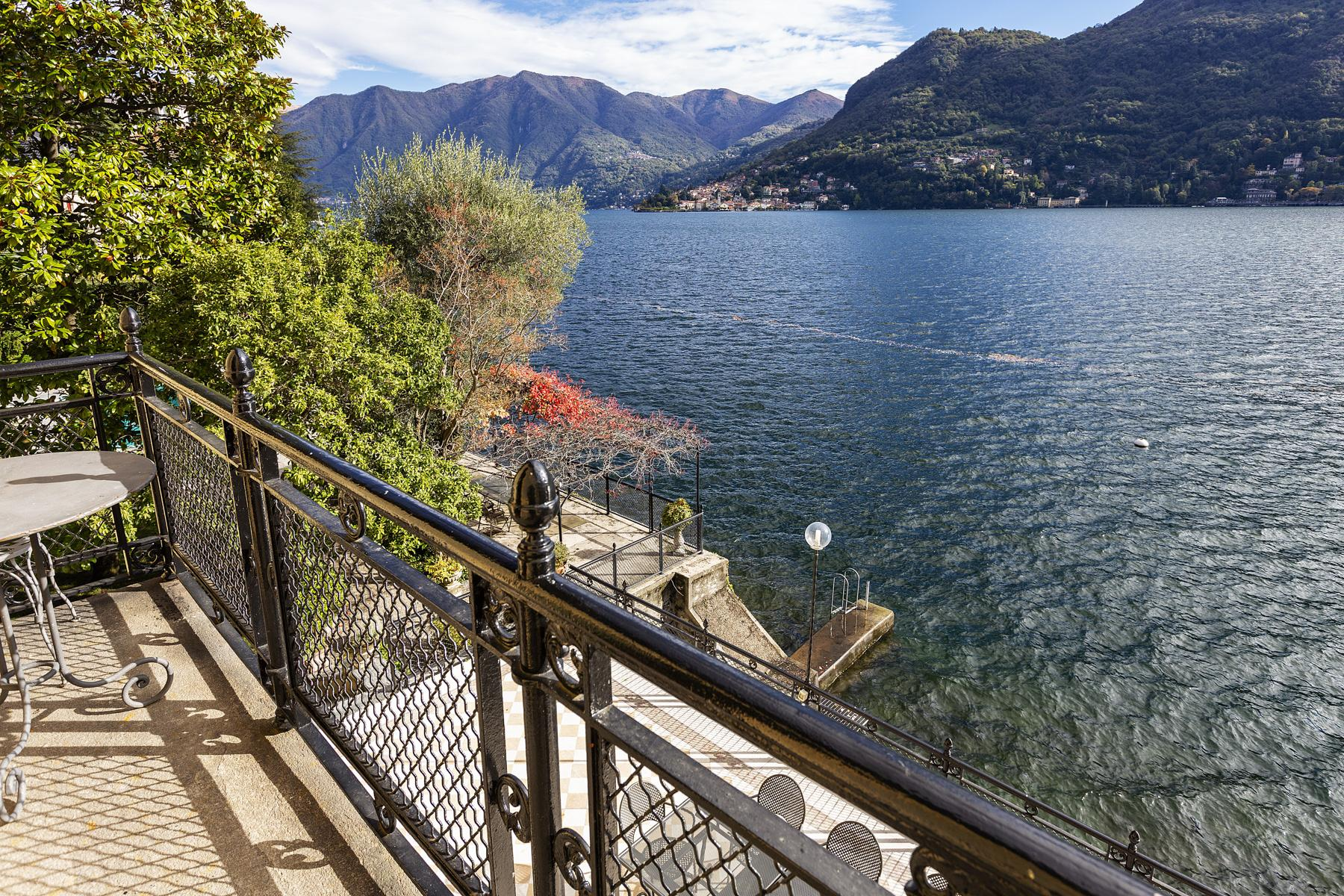 Wonderful historic villa with direct access to the lake, private wharf and boat house - 22