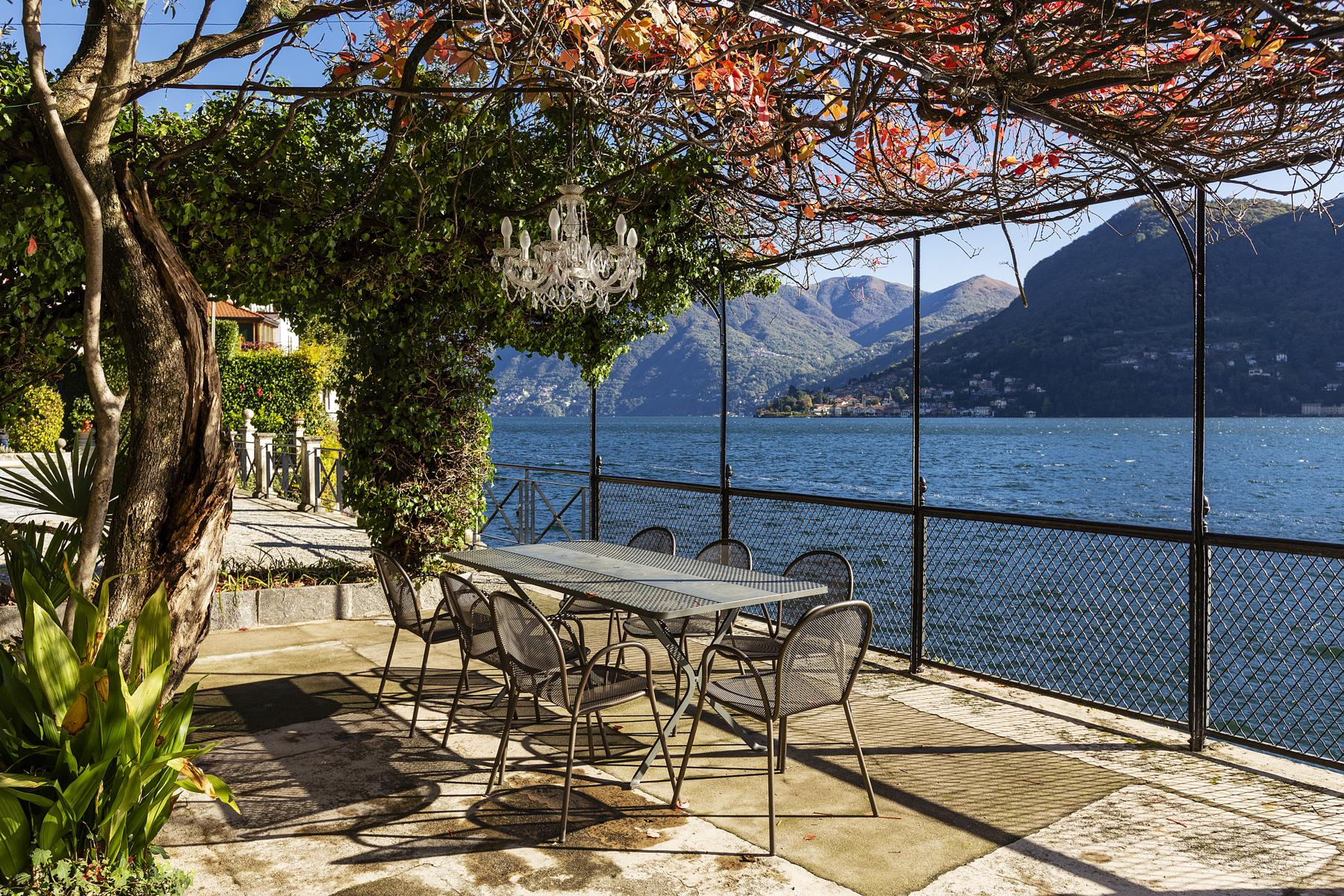 Wonderful historic villa with direct access to the lake, private wharf and boat house - 28