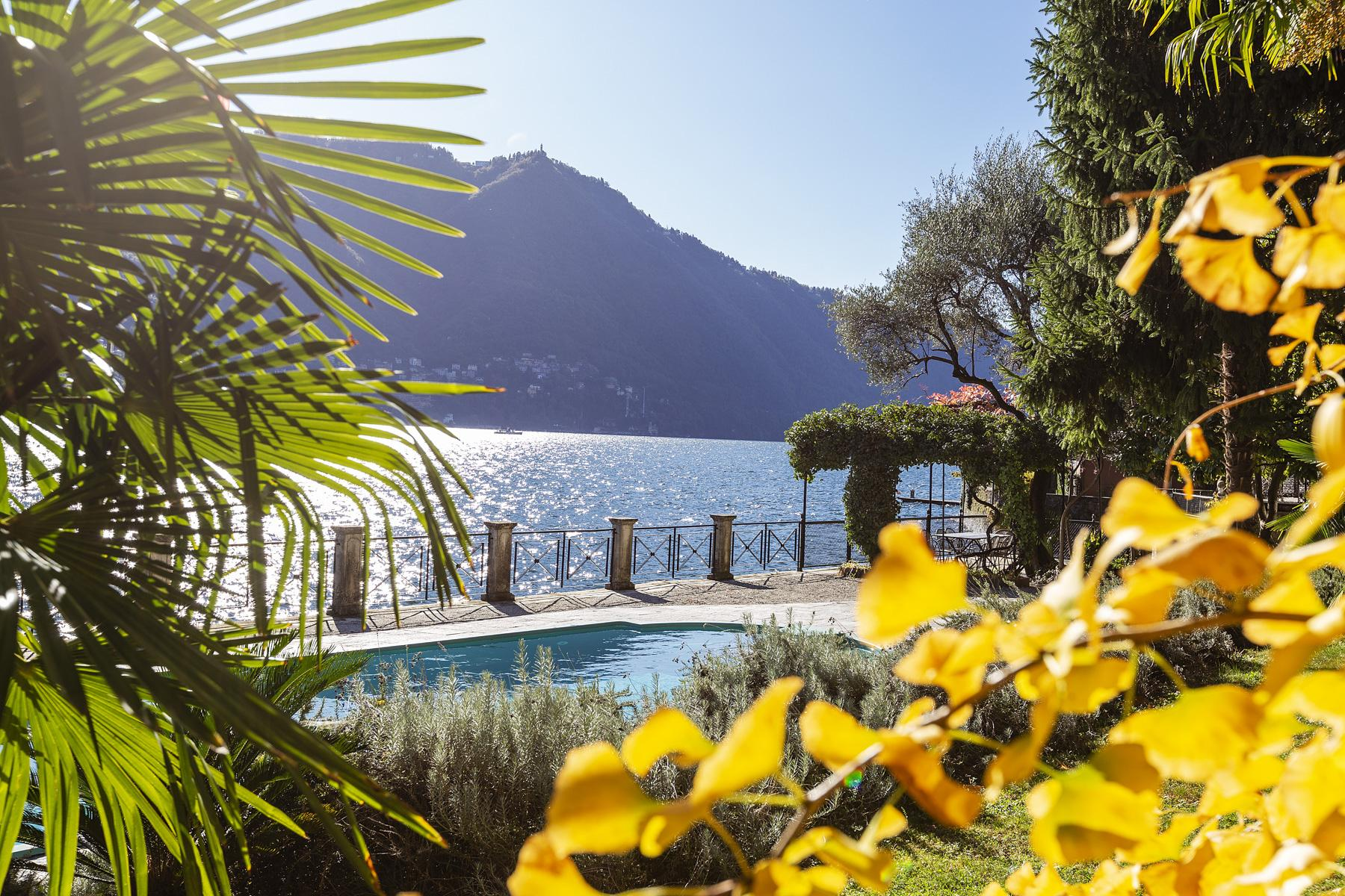Wonderful historic villa with direct access to the lake, private wharf and boat house - 31