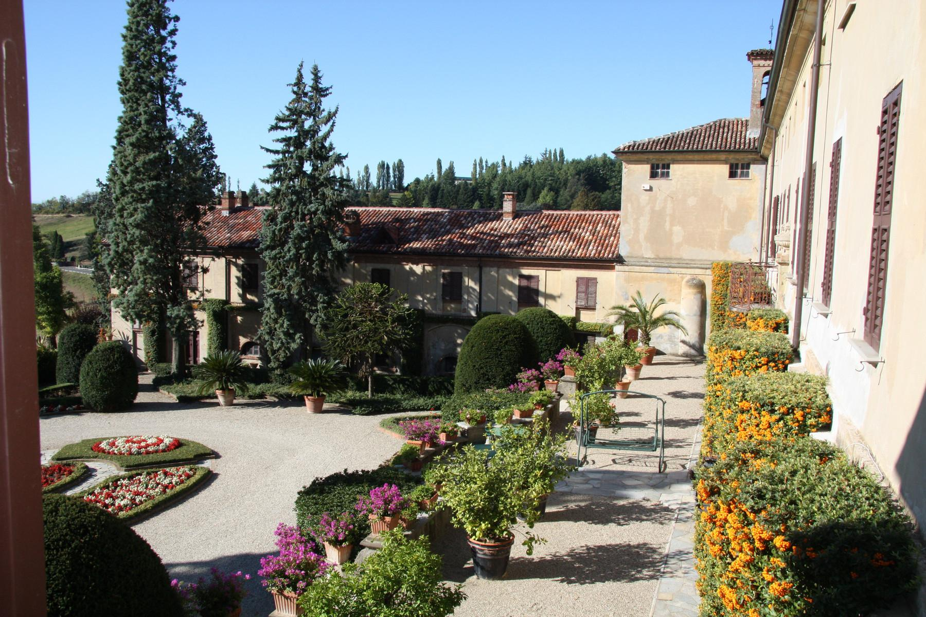 Prestigious historical manor nestled in the Monferrato countryside - 2