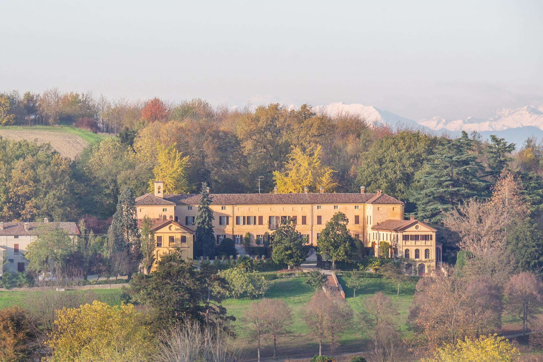 Prestigious historical manor nestled in the Monferrato countryside - 1