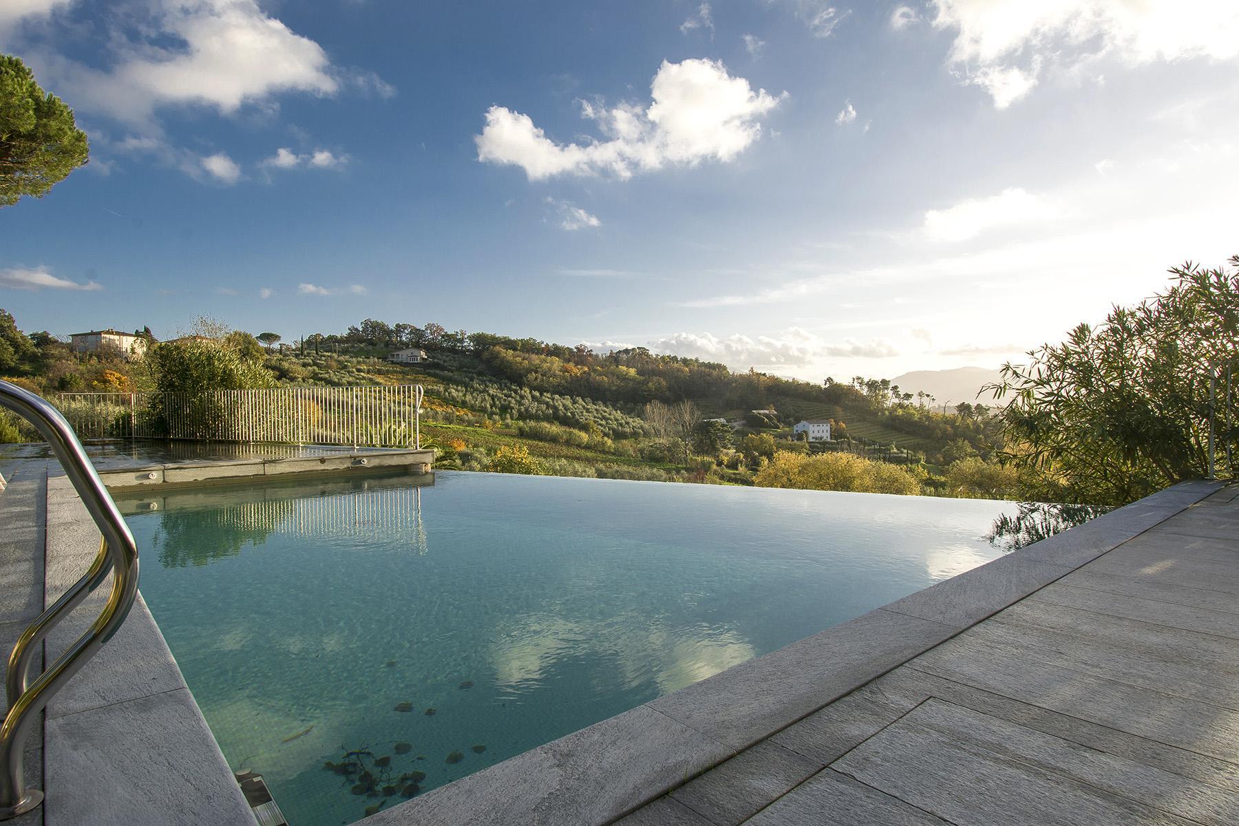 Красивая вилла с пейзажным бассейном и видом на холмы вокруг Лукки - 2
