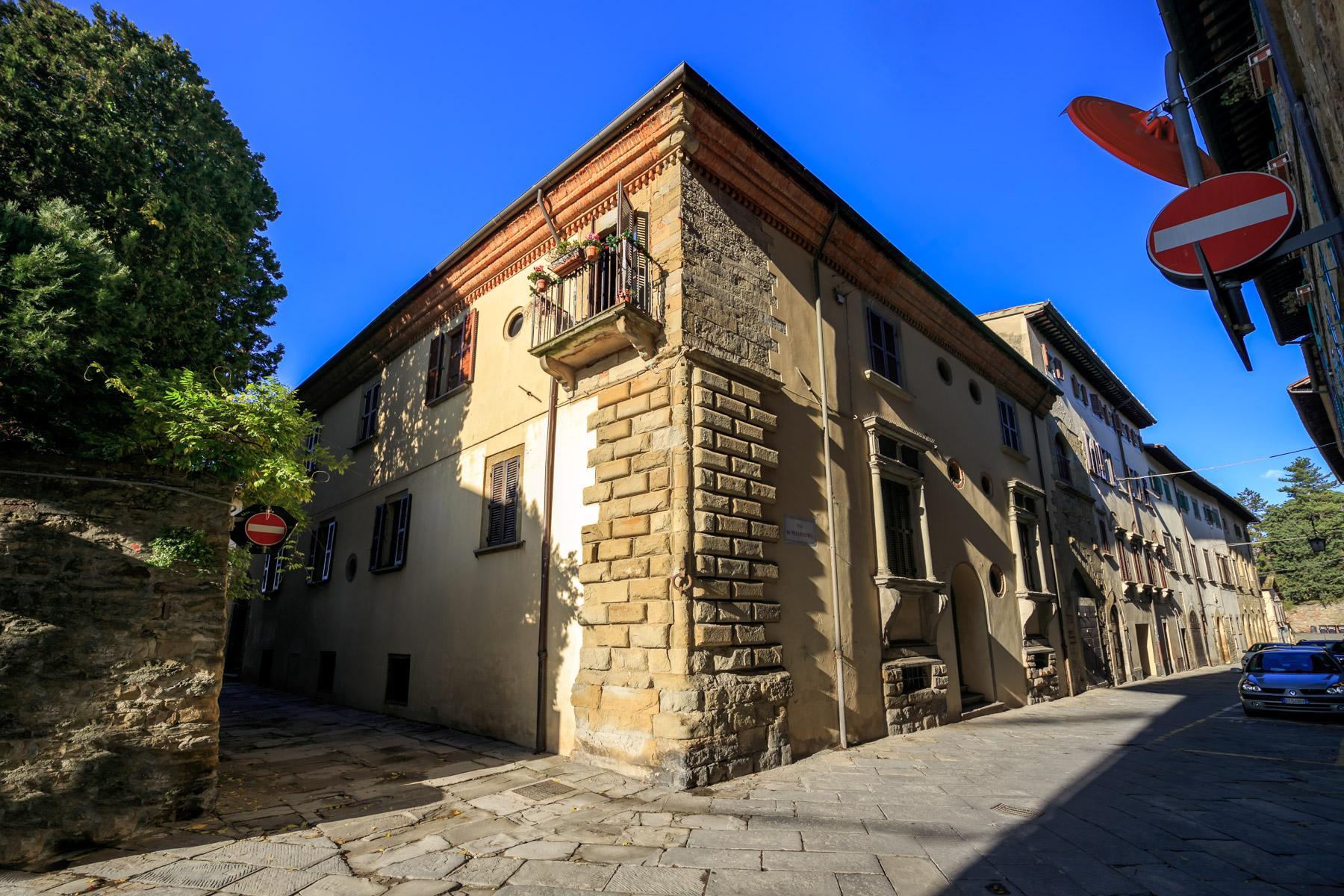 Palazzo Rinascimentale in Vendita a pochi passi da Piazza Grande, Arezzo - 1