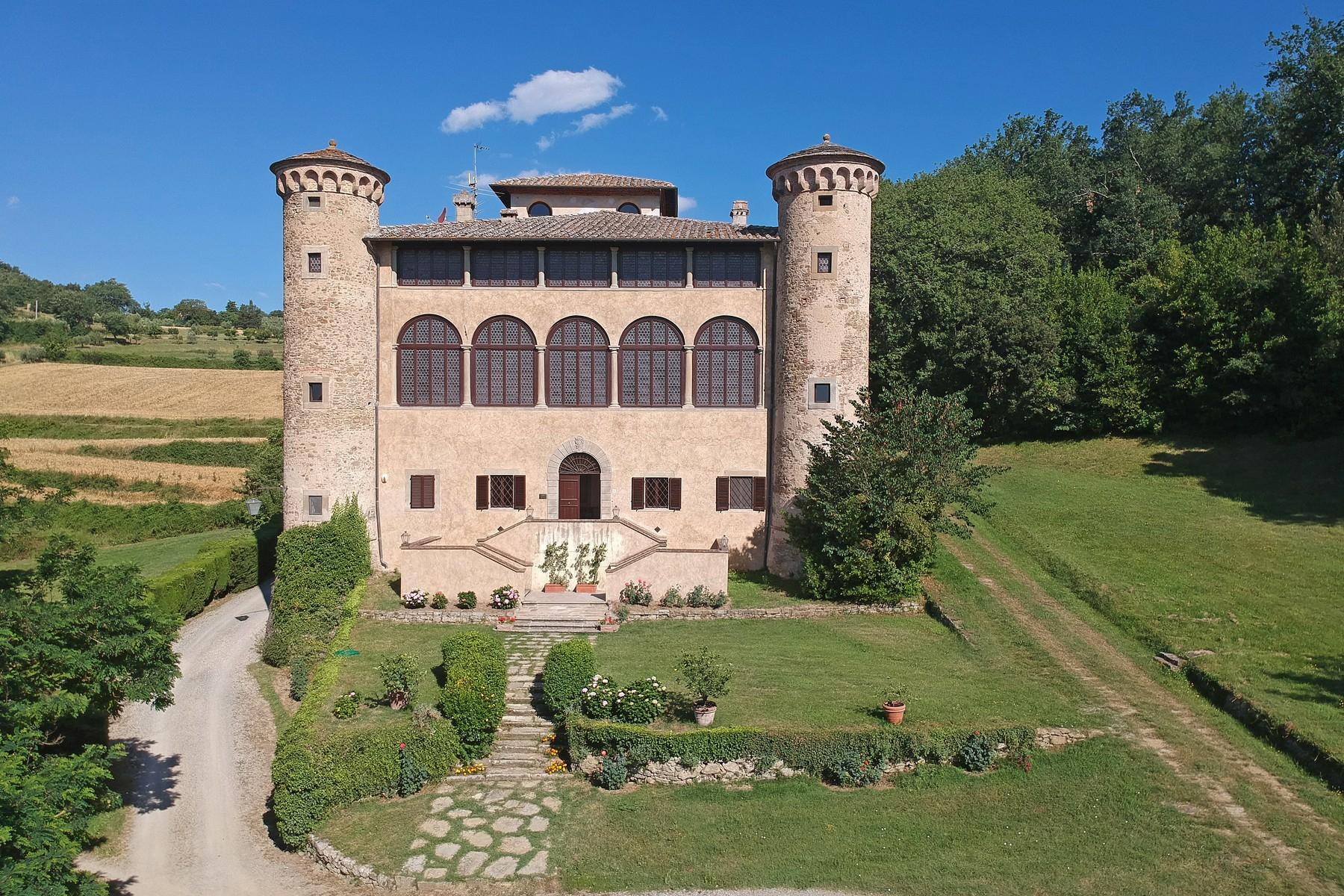 Breathtaking Castle on the hills of Arezzo - 1