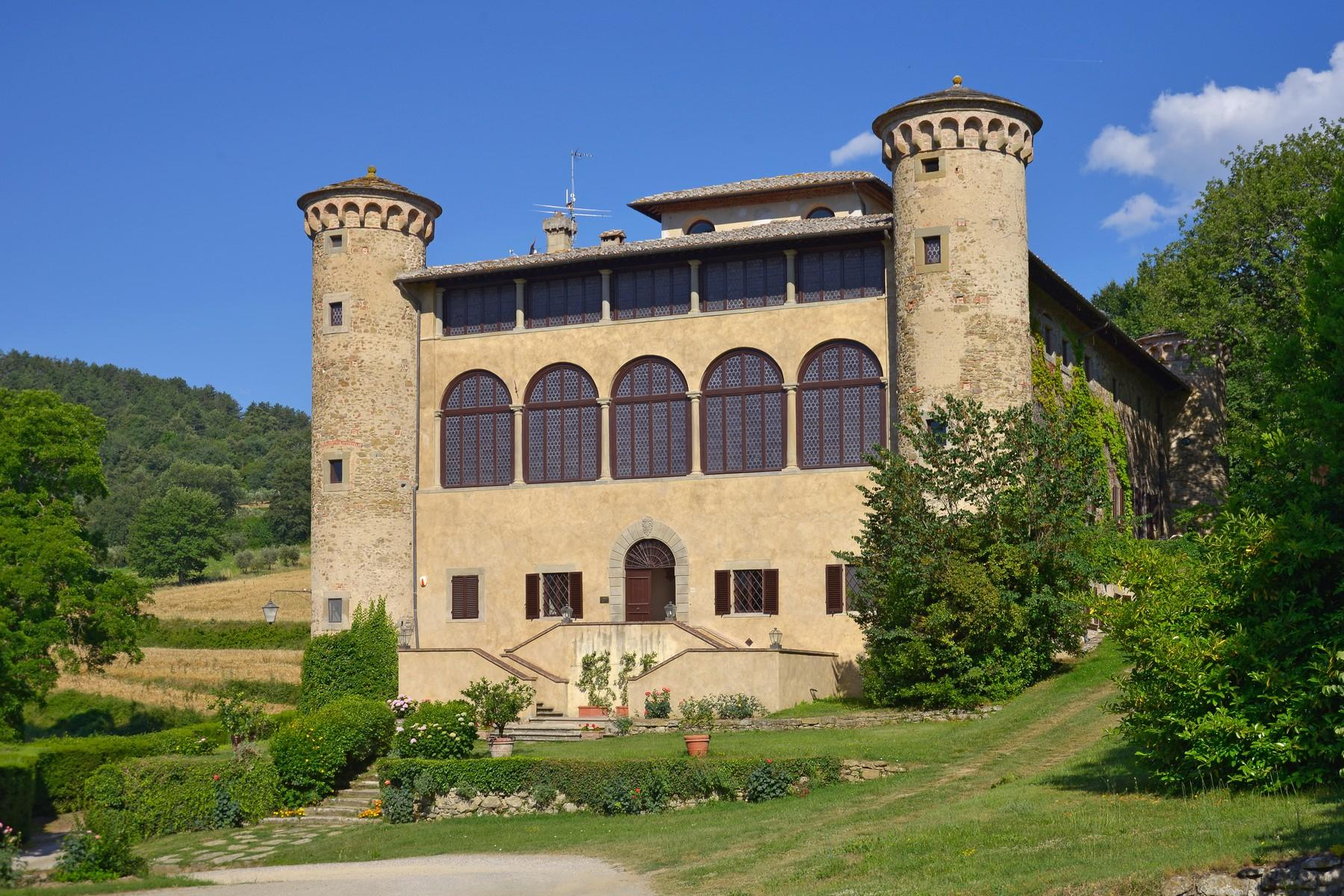 Breathtaking Castle on the hills of Arezzo - 2