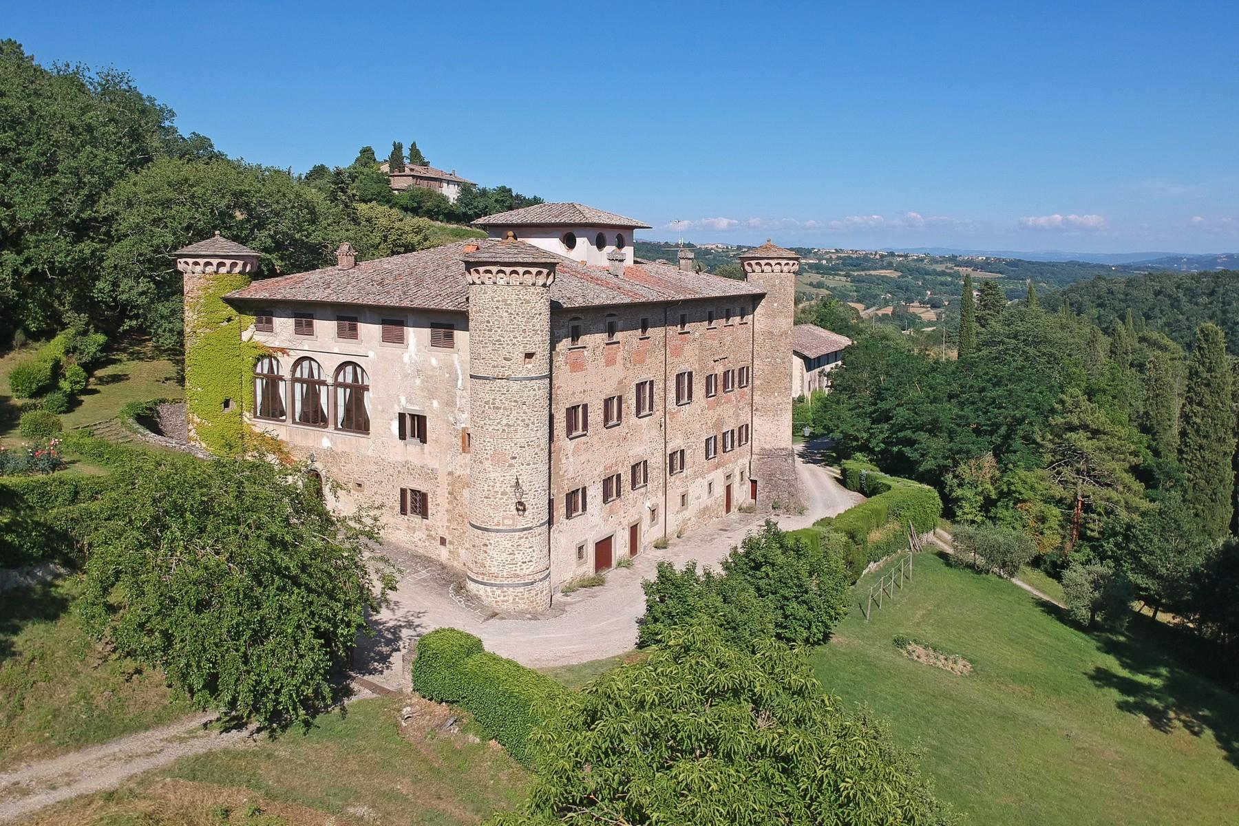 Breathtaking Castle on the hills of Arezzo - 33