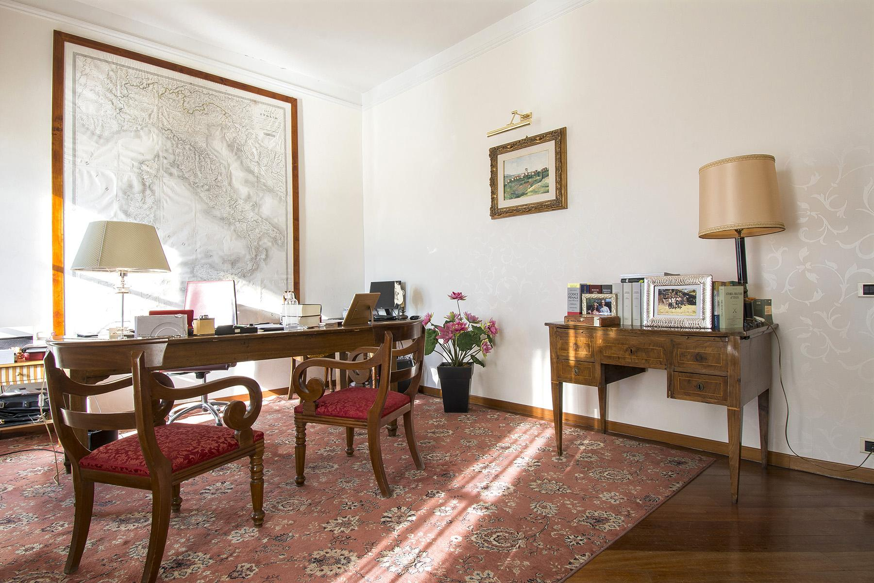 Luxury apartment overlooking the Arno River - 11