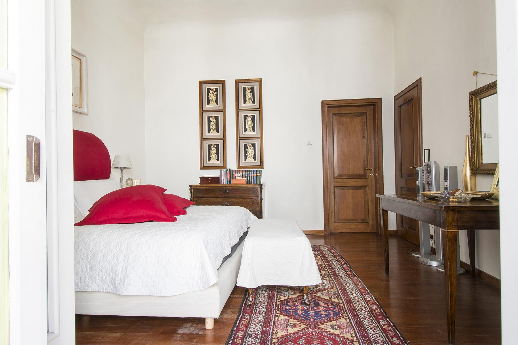 Luxury apartment overlooking the Arno River - 17