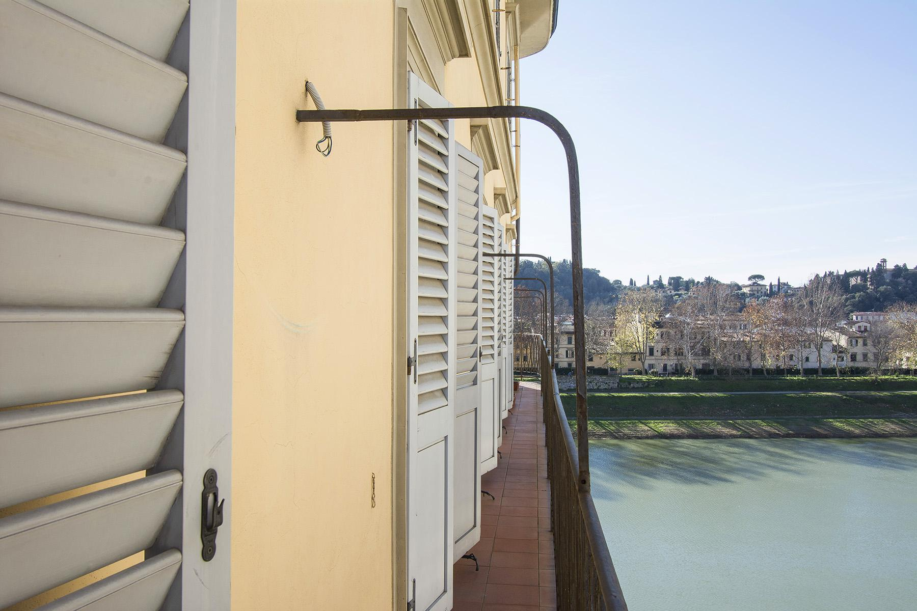 Luxury apartment overlooking the Arno River - 18