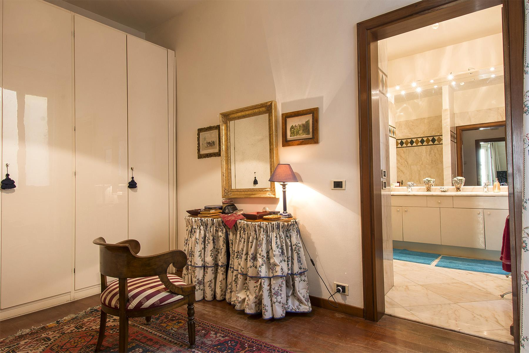 Luxury apartment overlooking the Arno River - 20