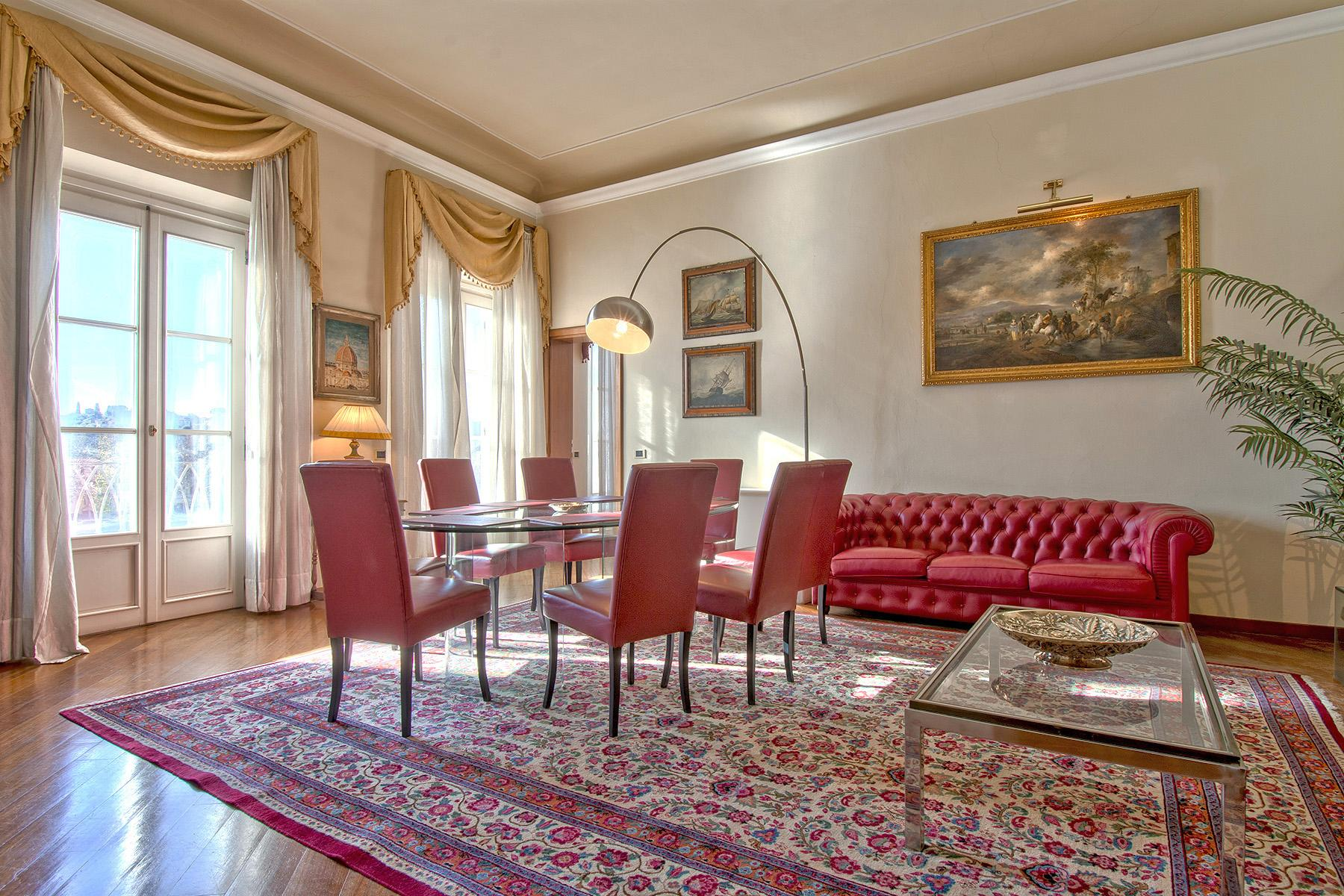 Luxury apartment overlooking the Arno River - 1