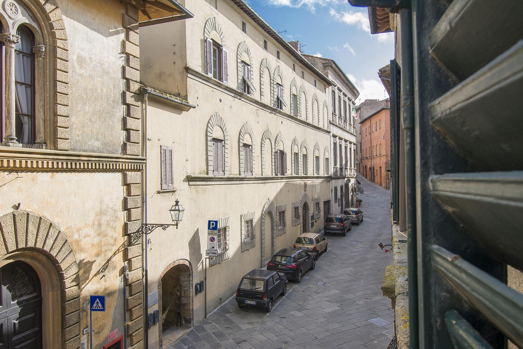 17th-century noble palace in the heart of Volterra - 1