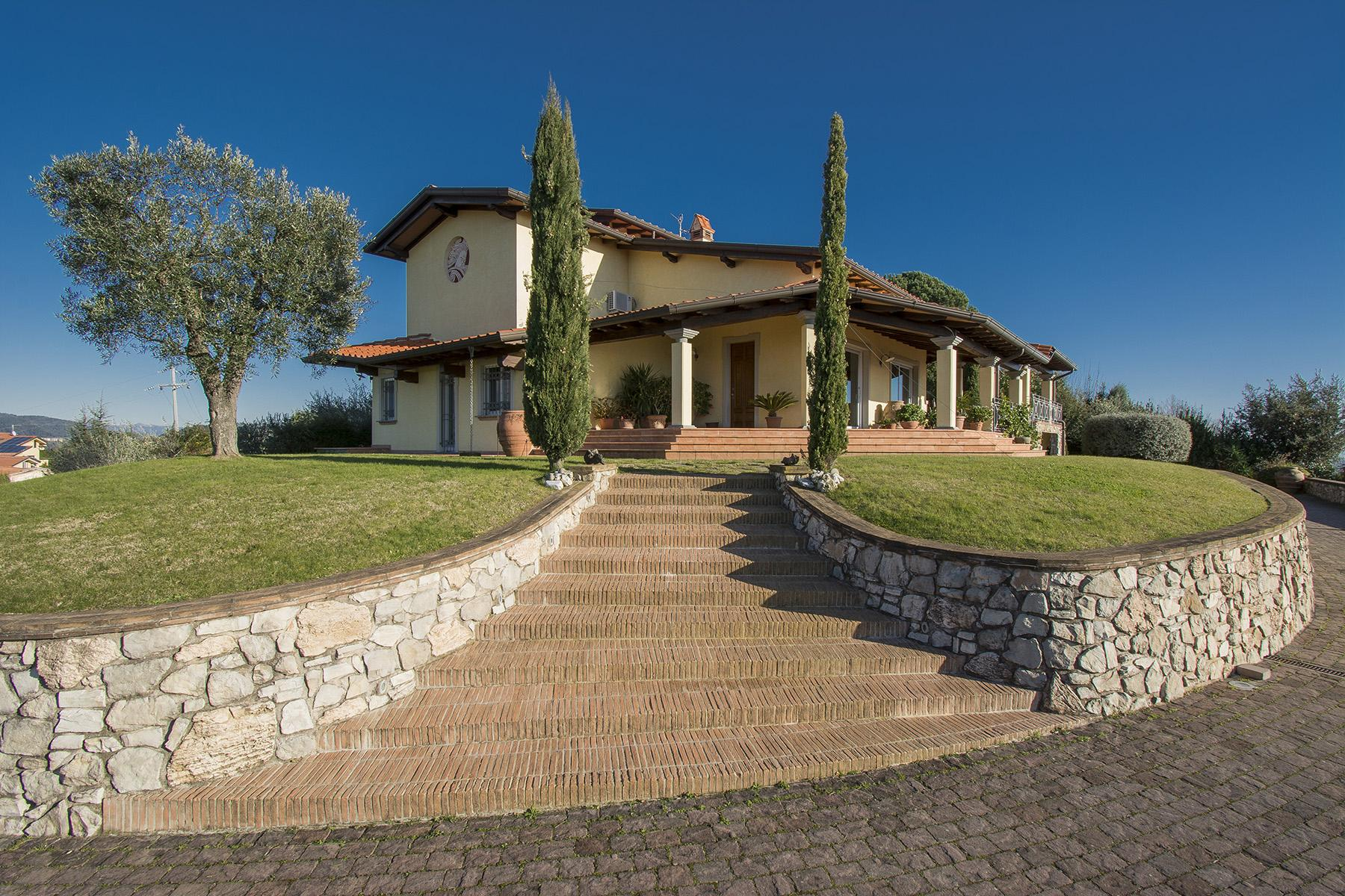Hilltop sea-view villa overlooking the Versilia coastline and lake Massaciuccoli - 1