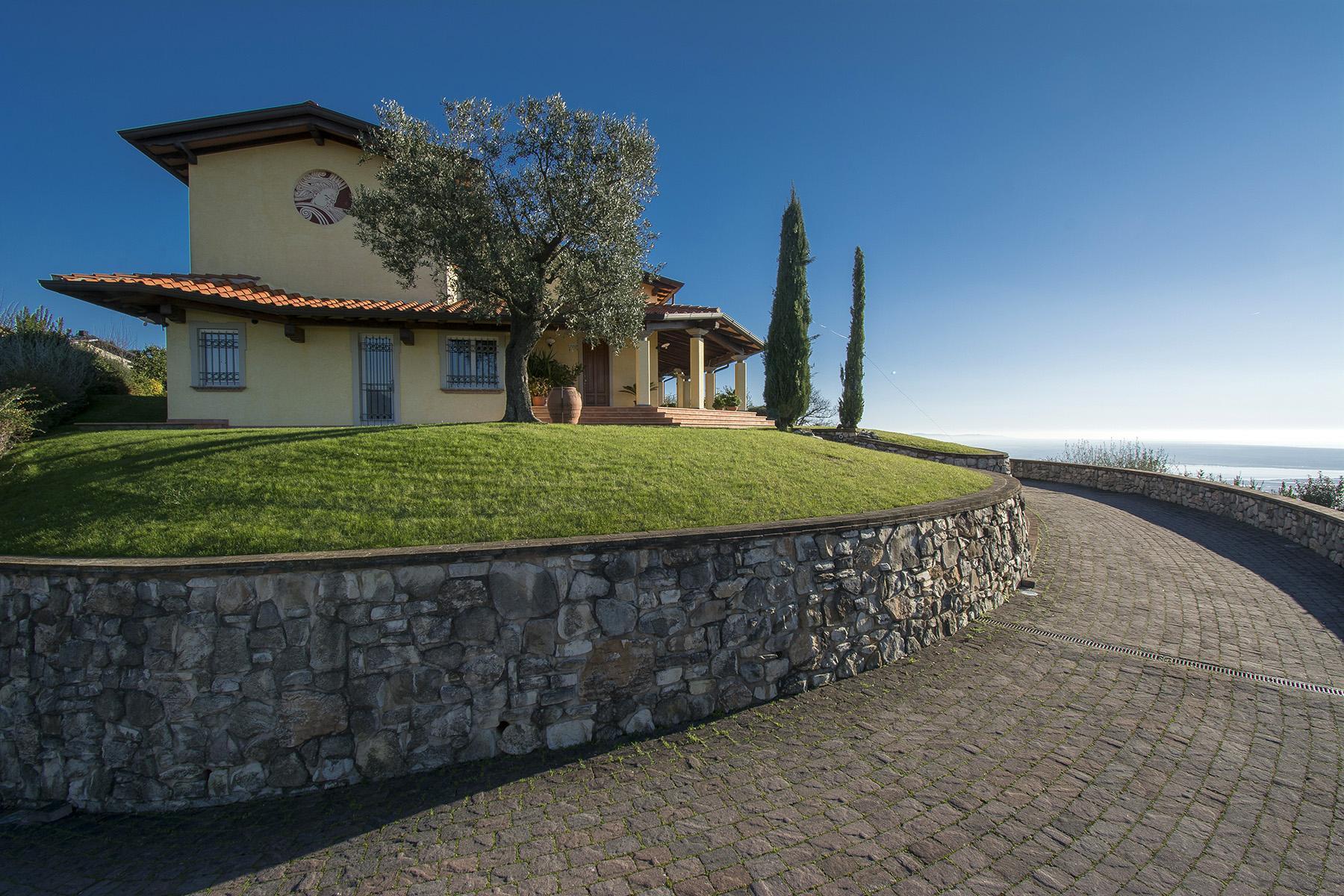 Magnifica villa vista mare e lago sulle prime colline di Massarosa - 5