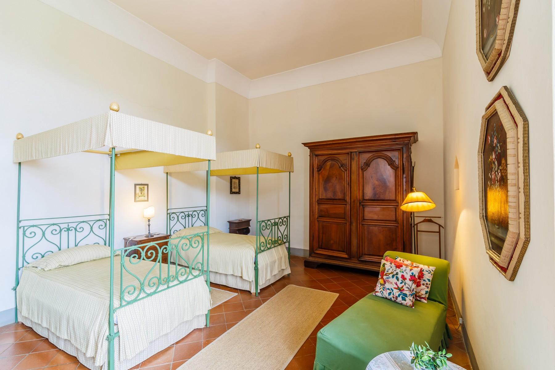 Castello Rinascimentale nel Chianti Fiorentino - 32