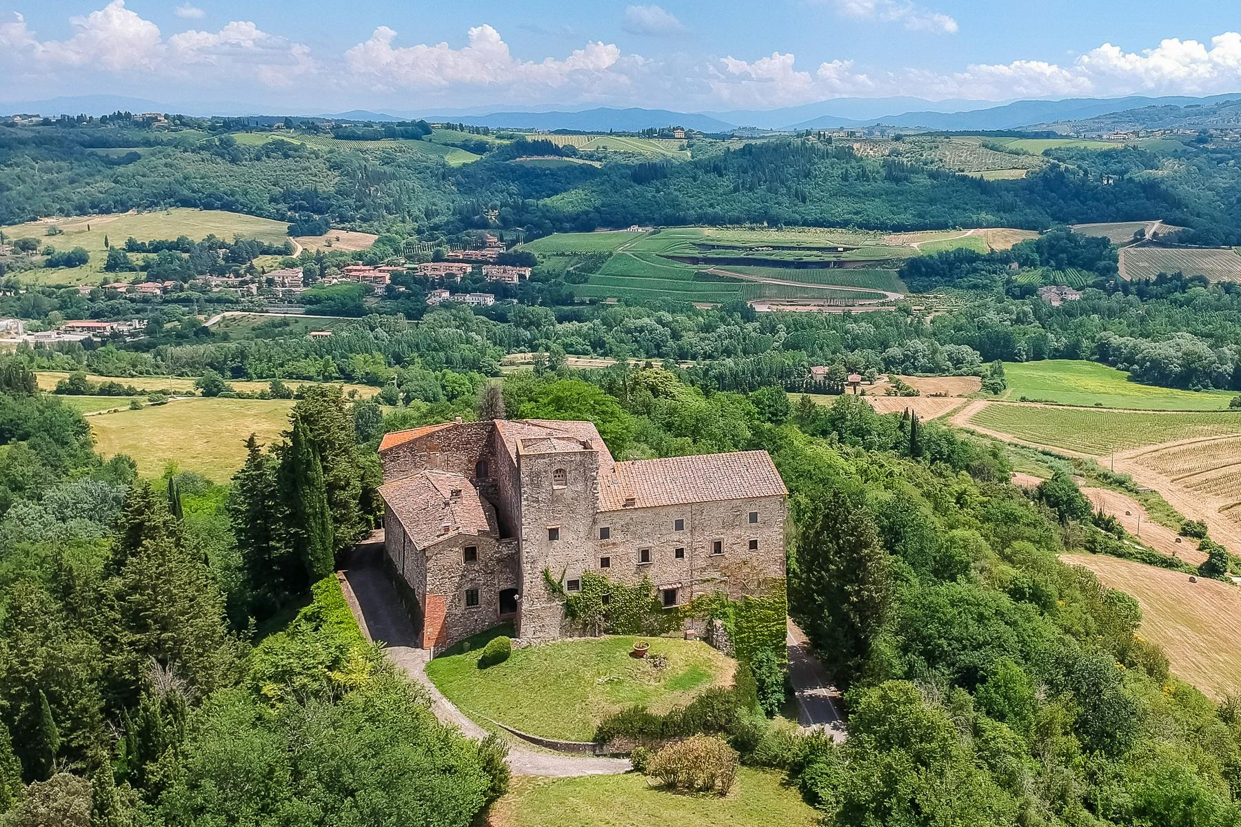 Renaissance castle in the Florentine Chianti hills - 15