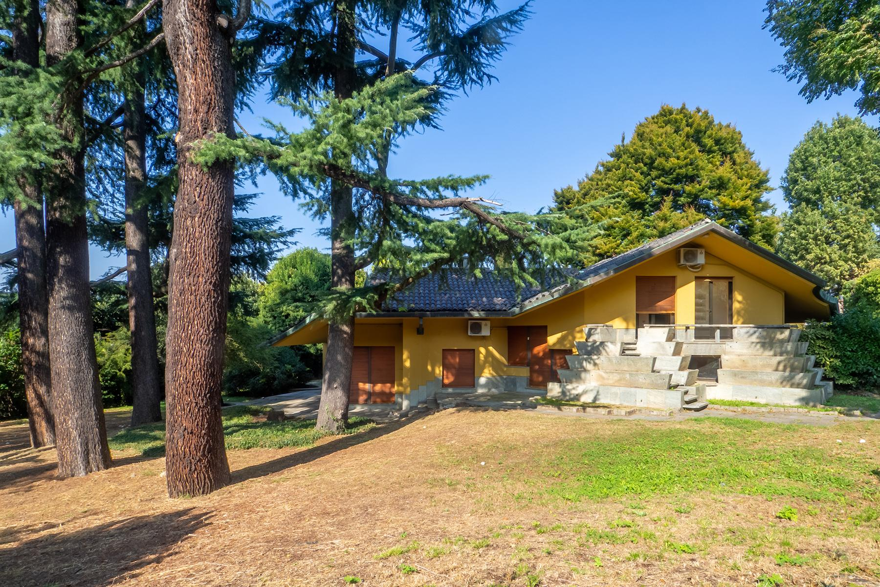 Villa with private park and  swimming pool in the hill of Turin - 1