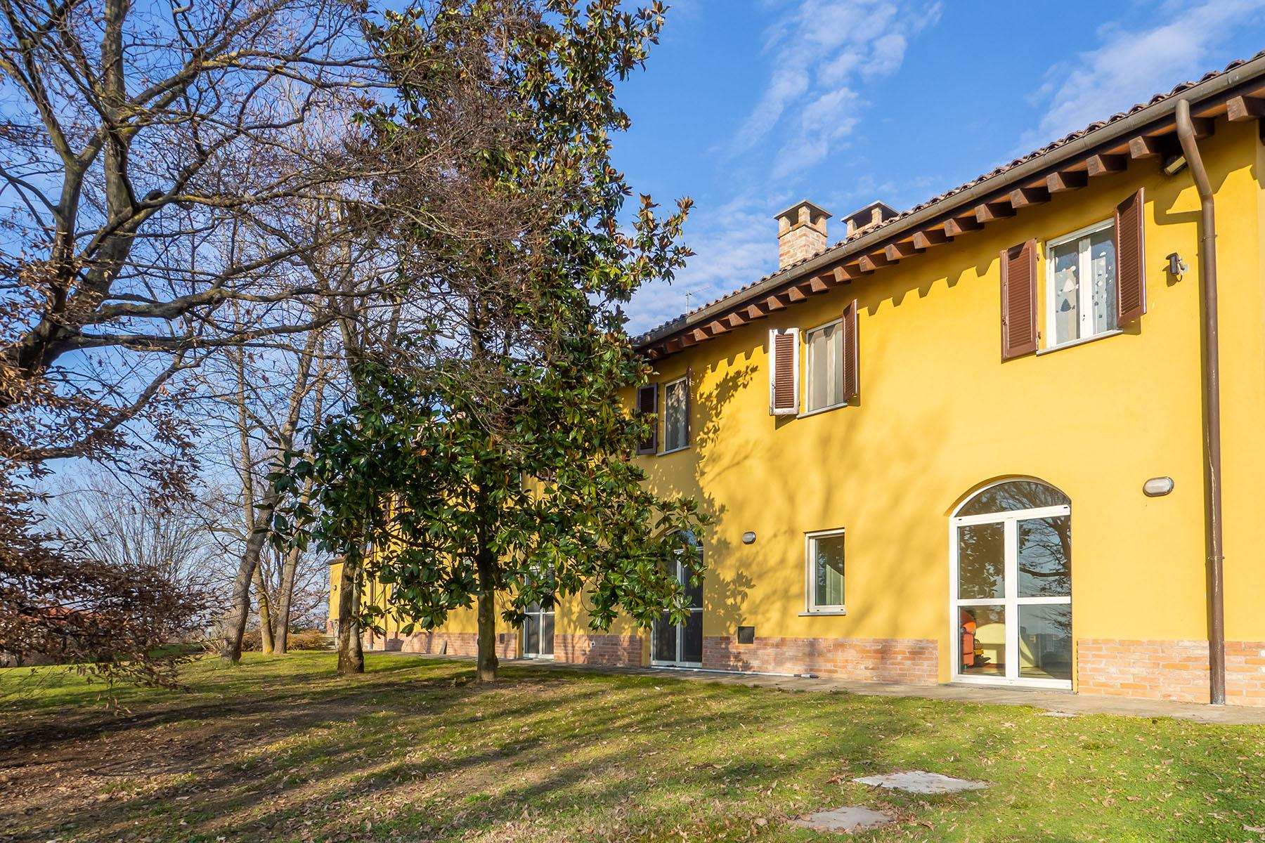 Magnificent Villa surrounded by the green hills of Monferrato - 8