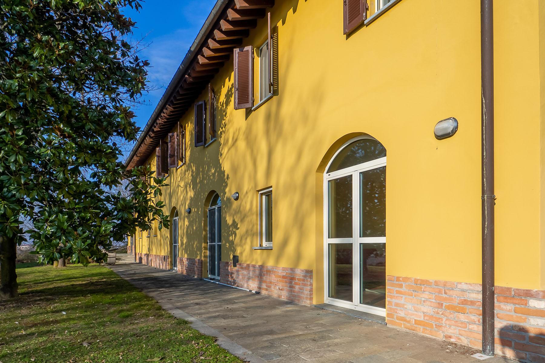 Magnificent Villa surrounded by the green hills of Monferrato - 30