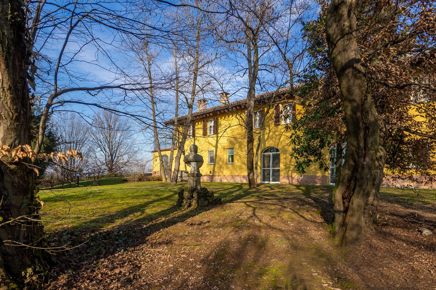 Magnificent Villa surrounded by the green hills of Monferrato - 29