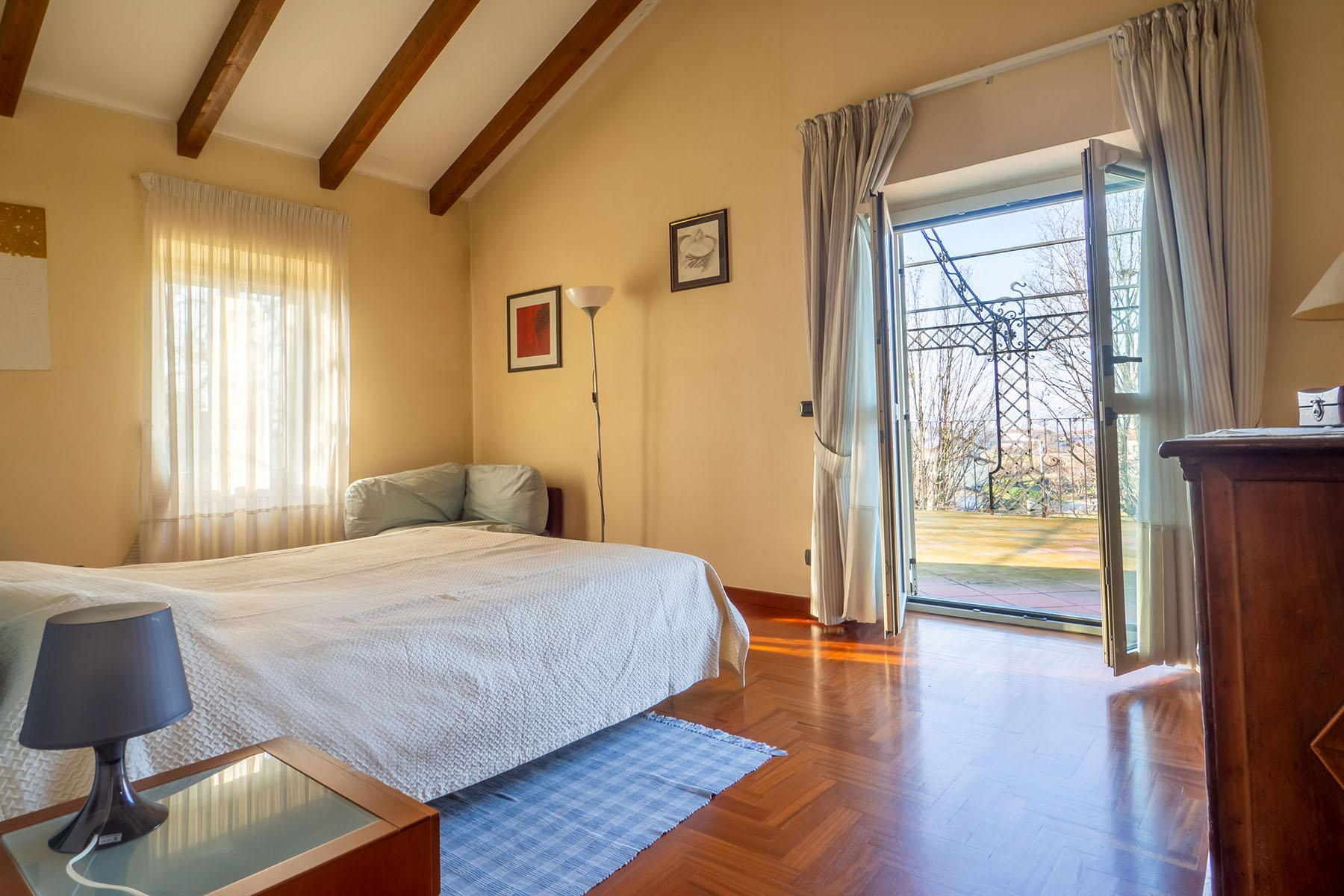 Magnificent Villa surrounded by the green hills of Monferrato - 10