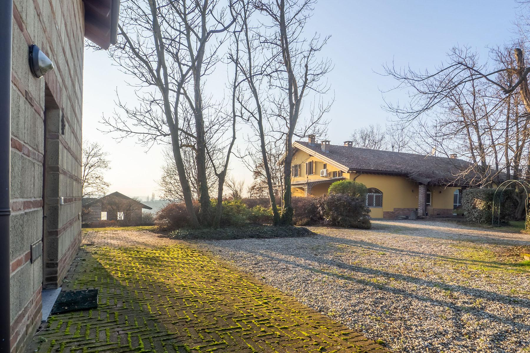 Magnificent Villa surrounded by the green hills of Monferrato - 25