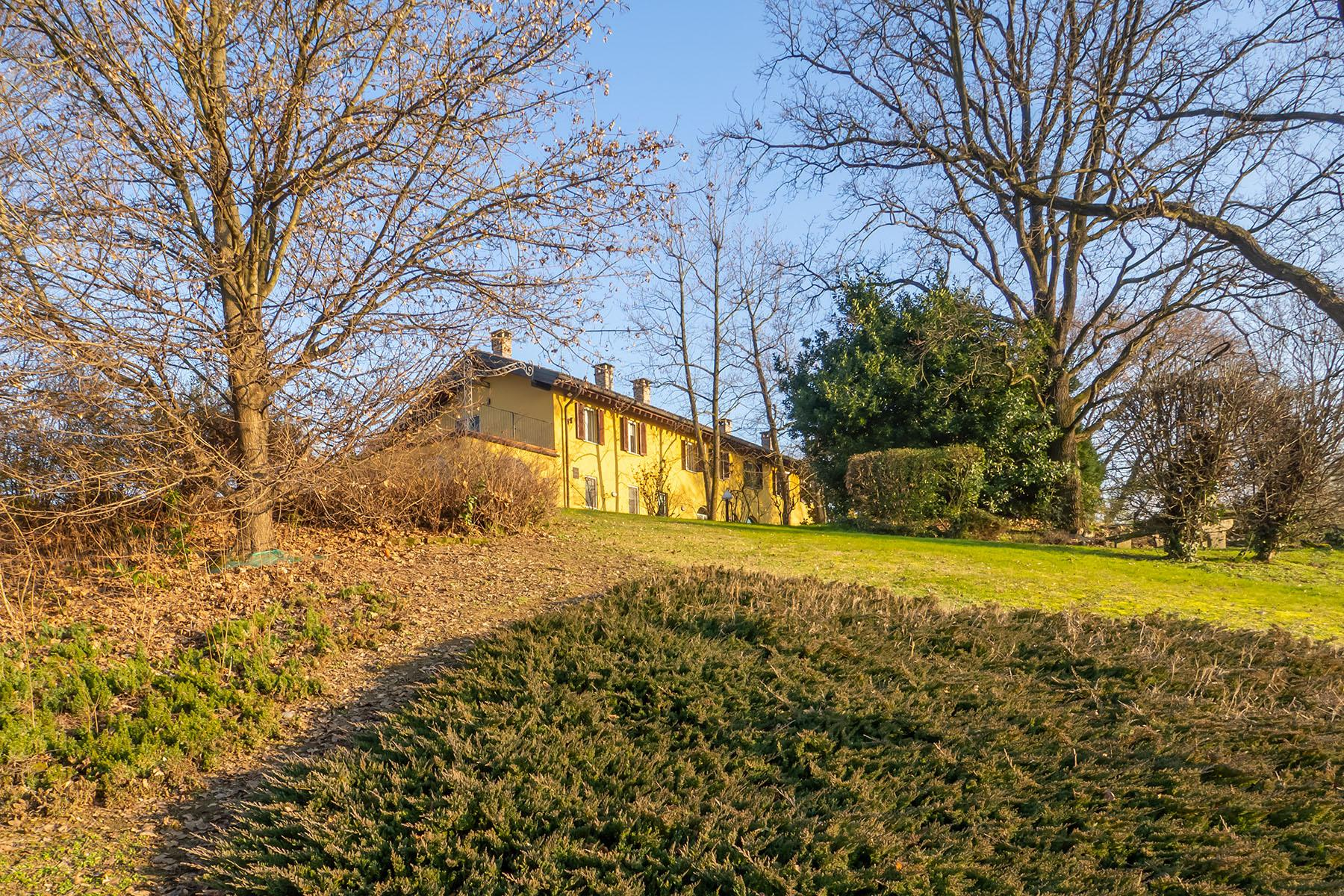 Magnificent Villa surrounded by the green hills of Monferrato - 34