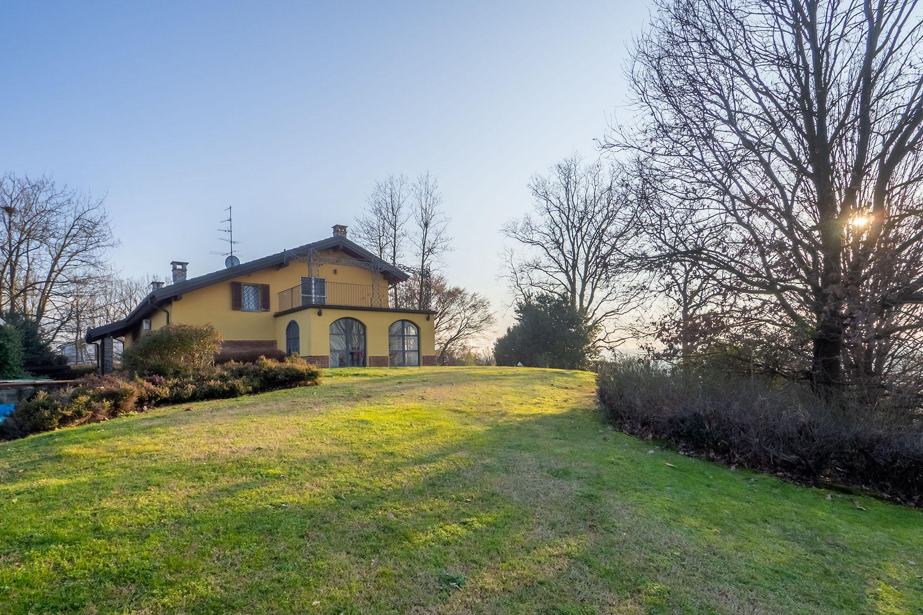 Magnificent Villa surrounded by the green hills of Monferrato - 1