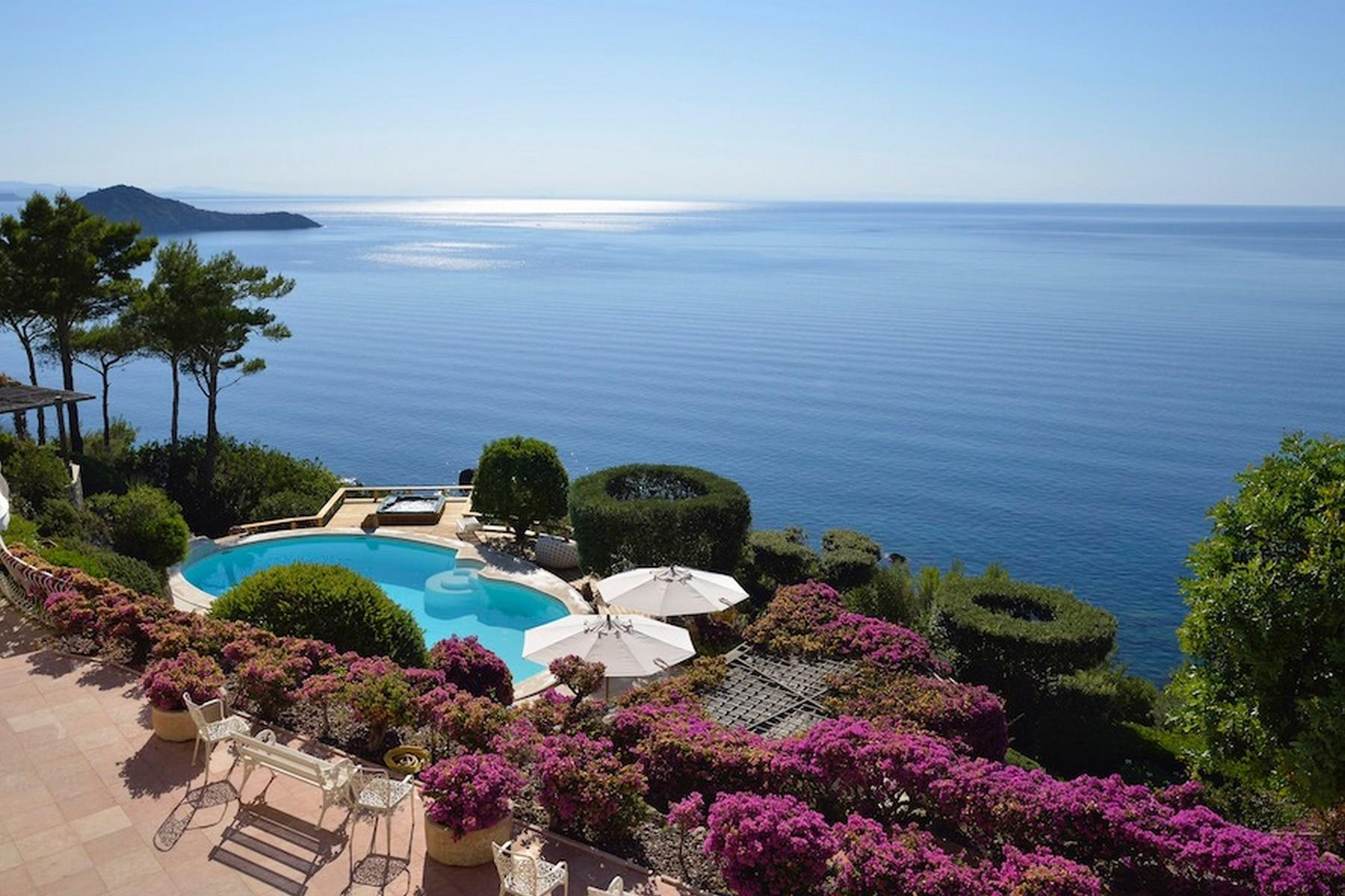 Incredible villa overlooking the sea in Porto Ercole - 1