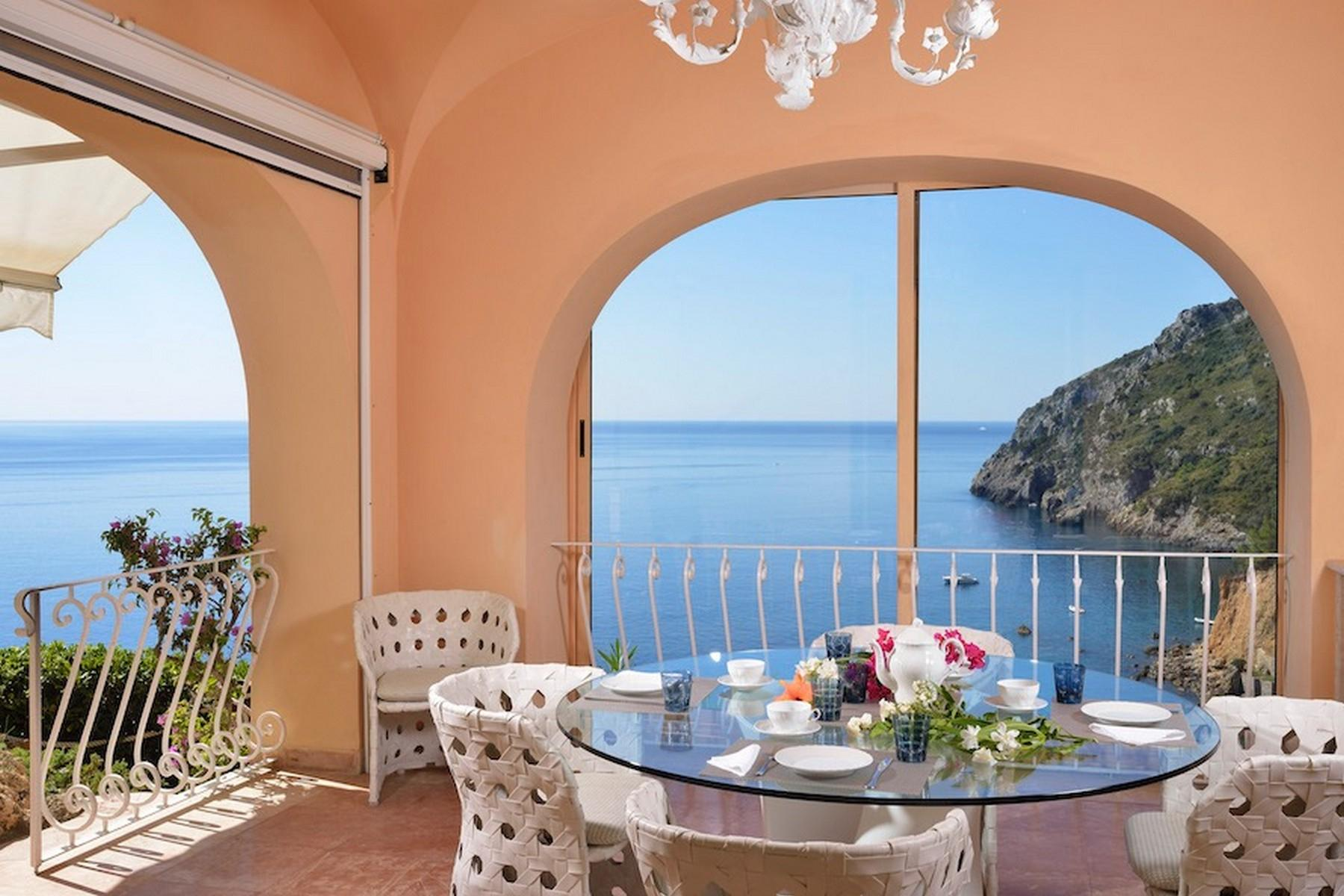 Incredible villa overlooking the sea in Porto Ercole - 4
