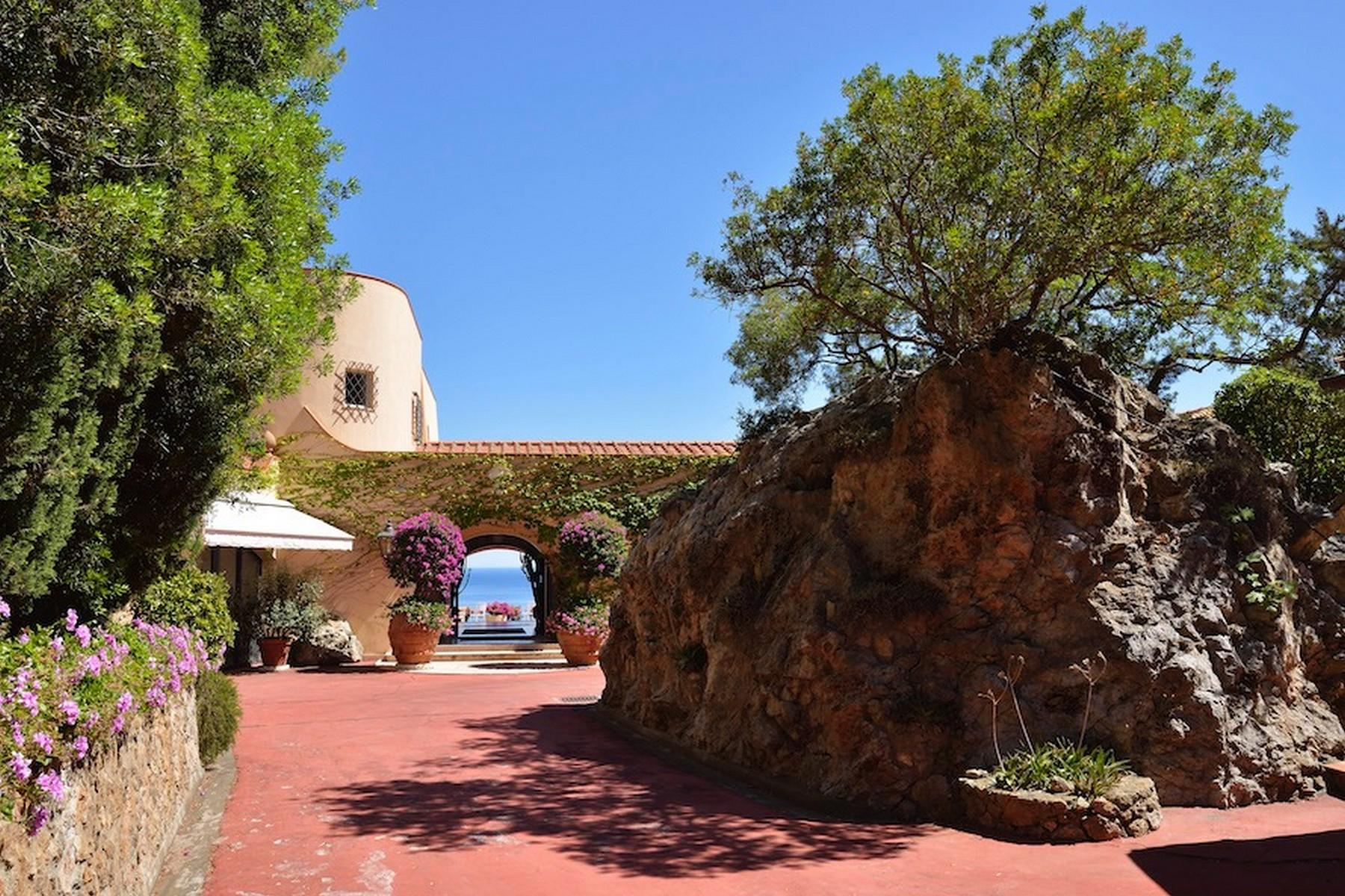 Incredibile villa a picco sul mare a Porto Ercole - 10