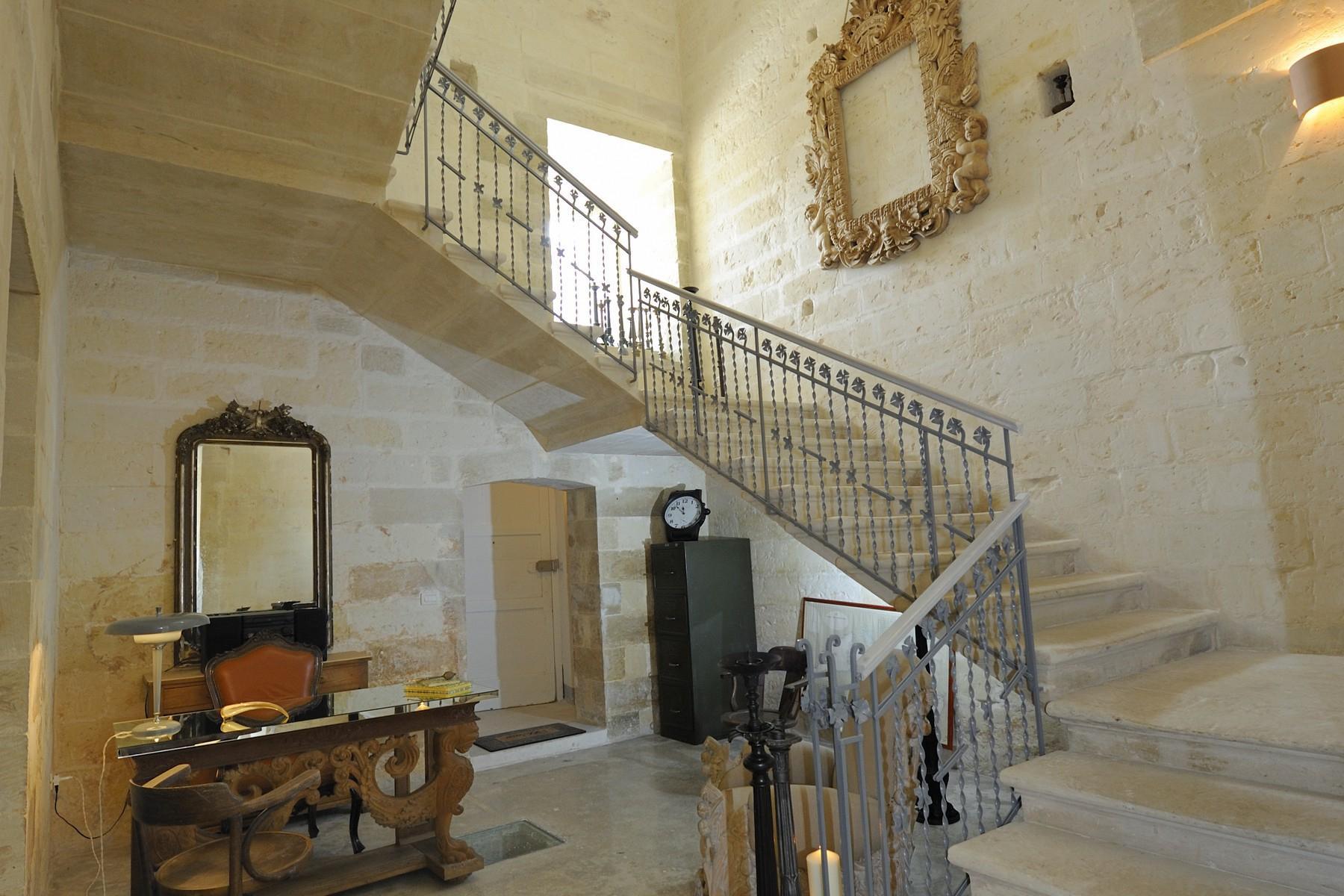 Palazzo d'epoca su due piani con giardino, piscina e frutteto - 2