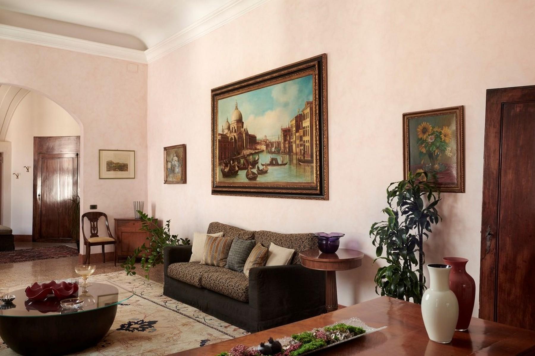 Elegante secondo Piano Nobile in un Palazzo - 4