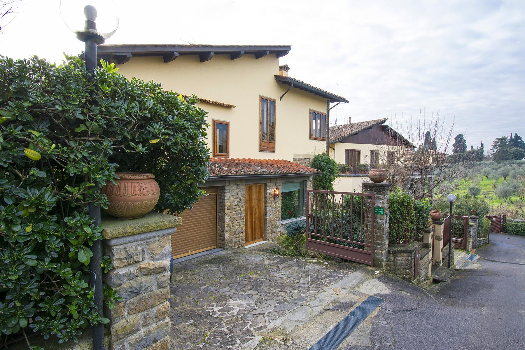 Villa in the green hill of Via Bolognese - 28