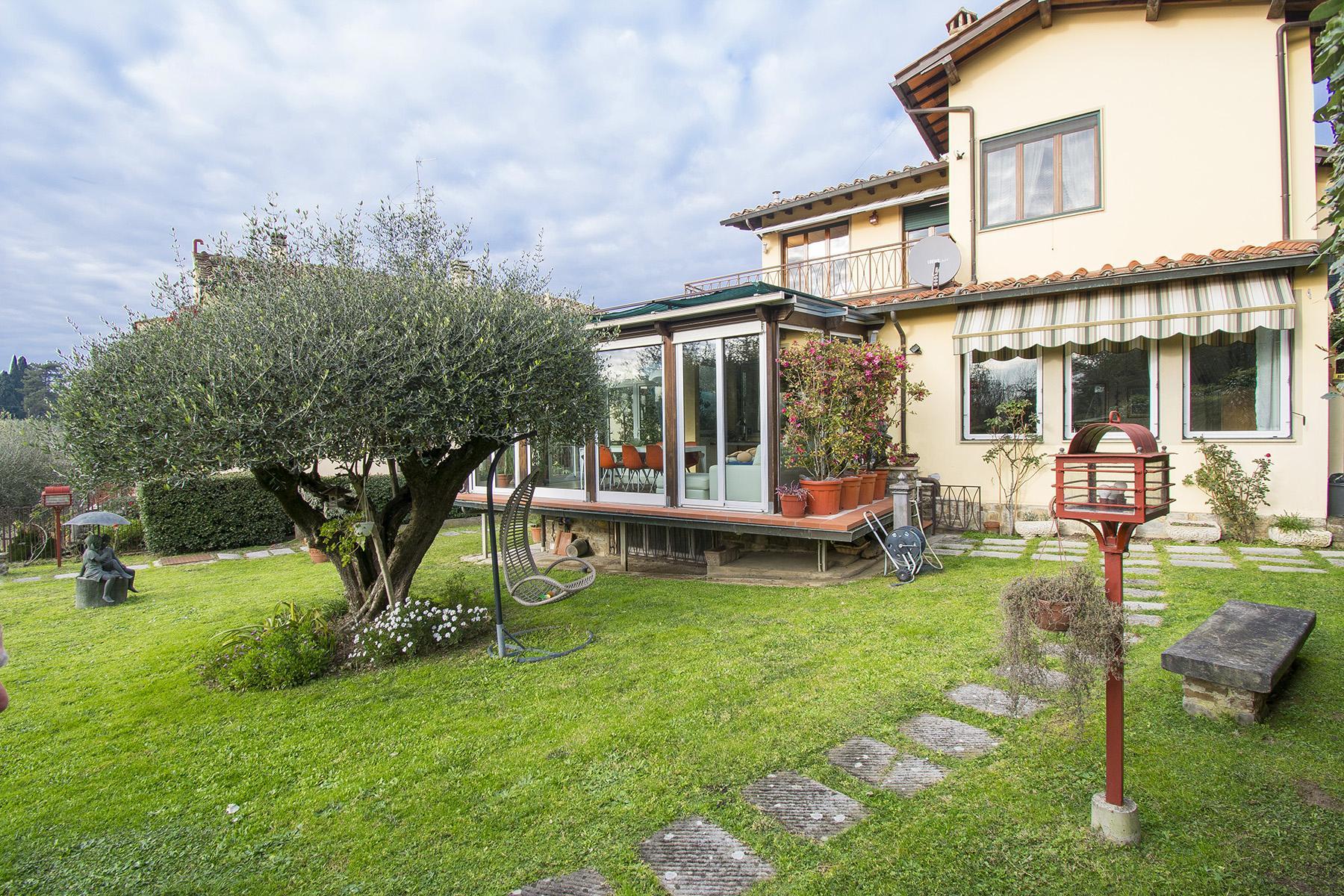 Villa immersa nel verde a Via Bolognese - 27