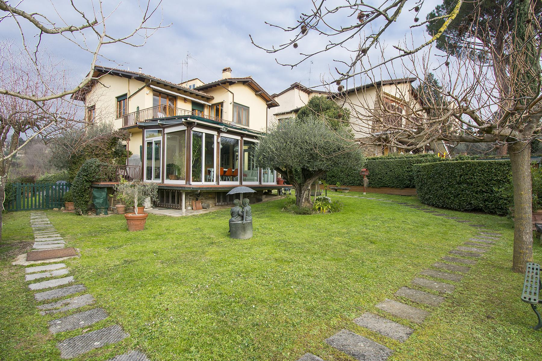 Villa in the green hill of Via Bolognese - 25
