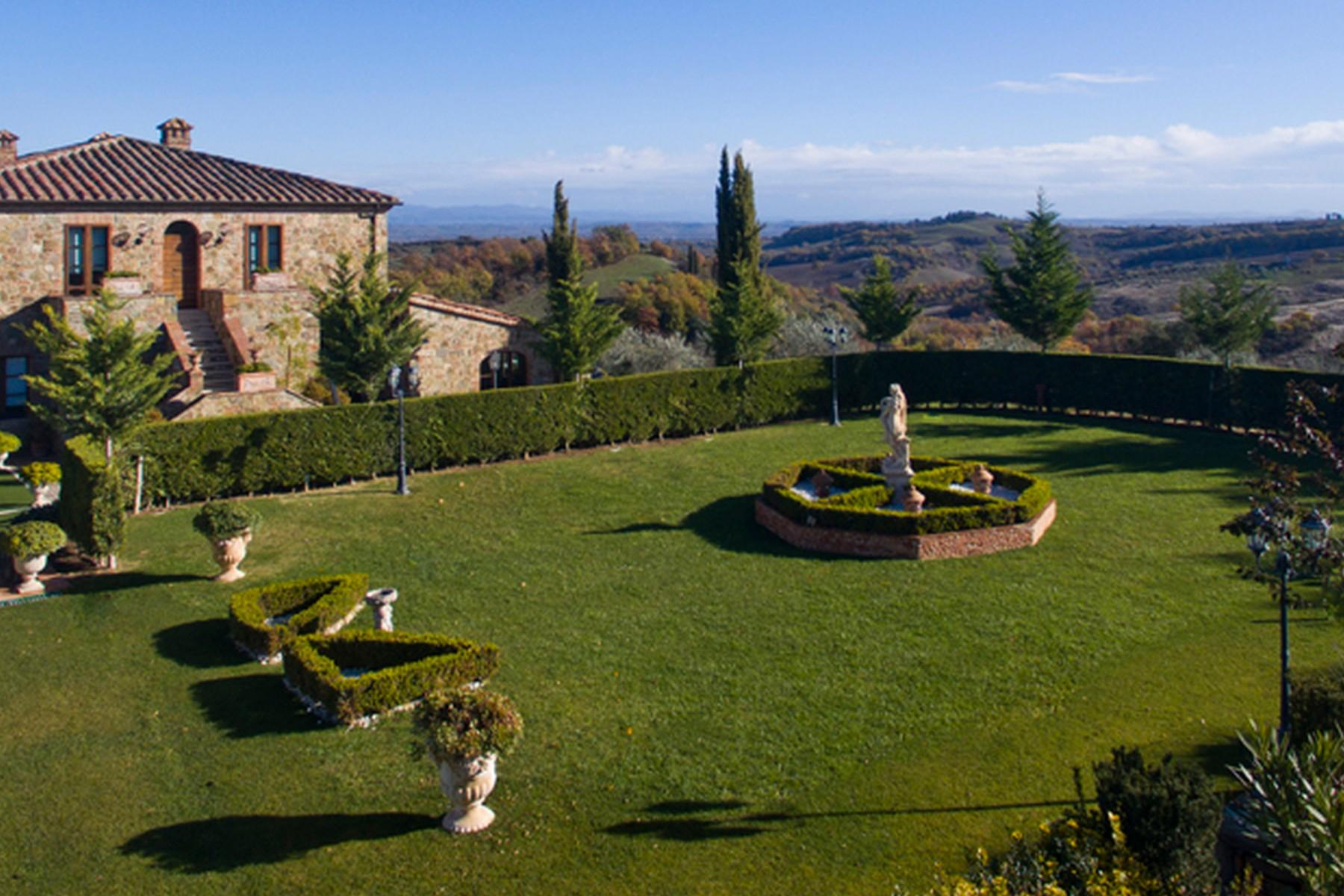 Beautiful Boutique Hotel with Restaurant and SPA in the hills of Torrita di Siena - 12