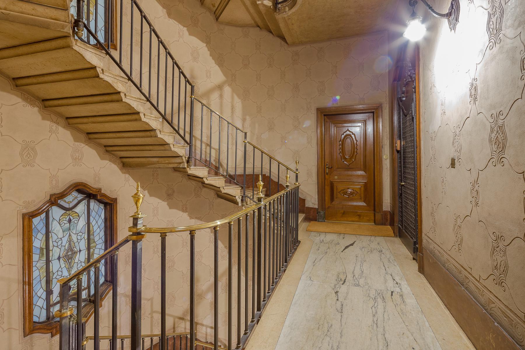 Elegant apartment in the center of Milan - 12