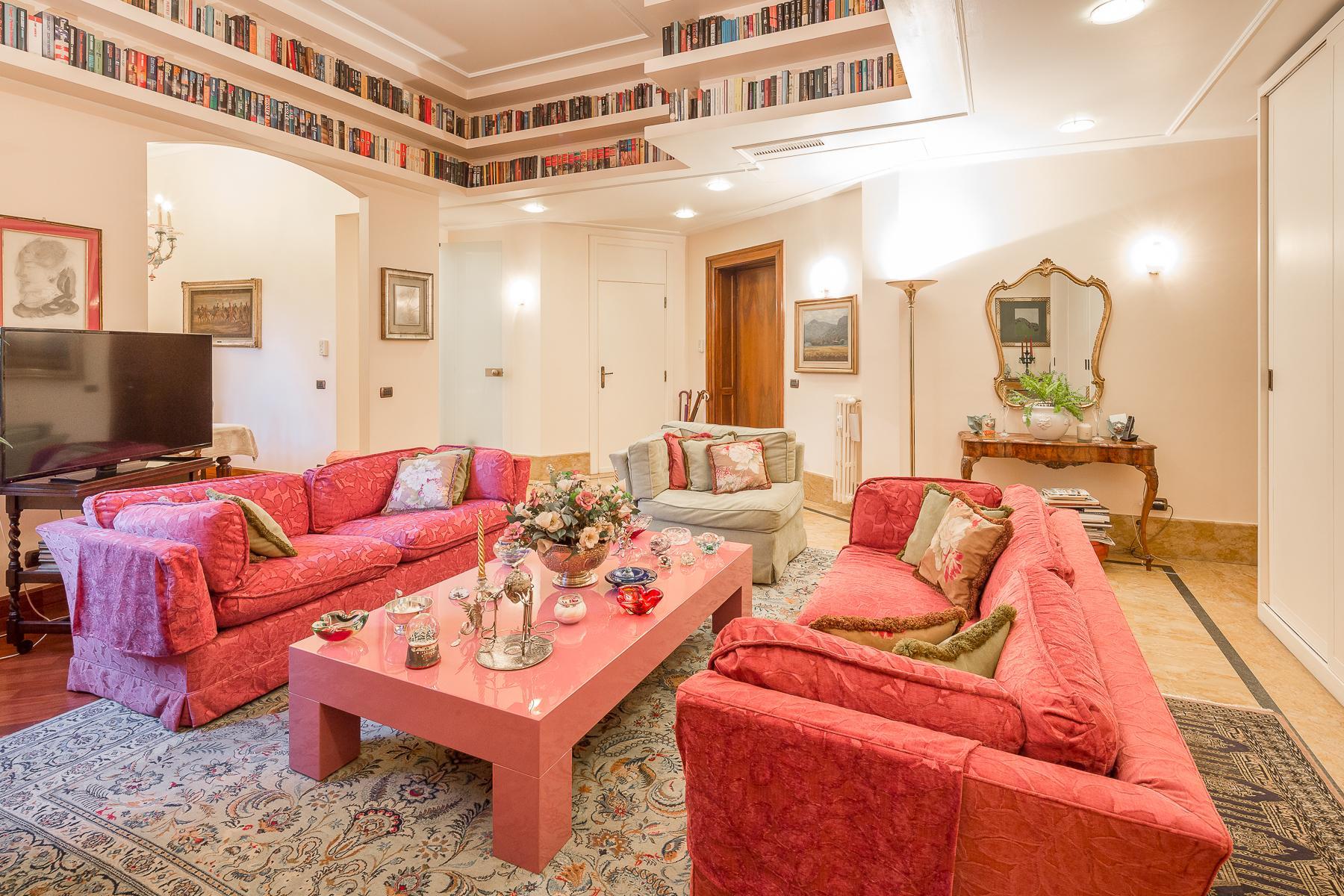 Elegant apartment in the center of Milan - 1