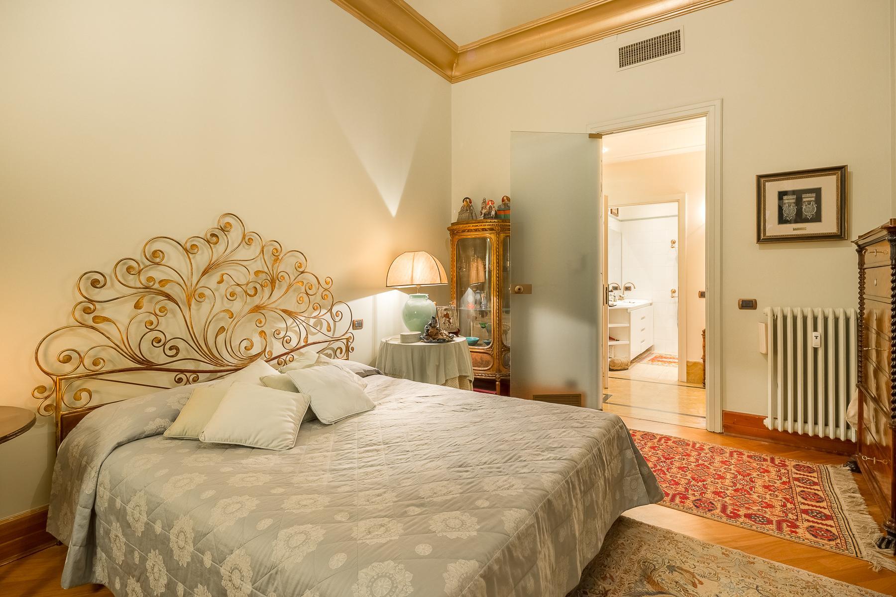 Elegant apartment in the center of Milan - 11
