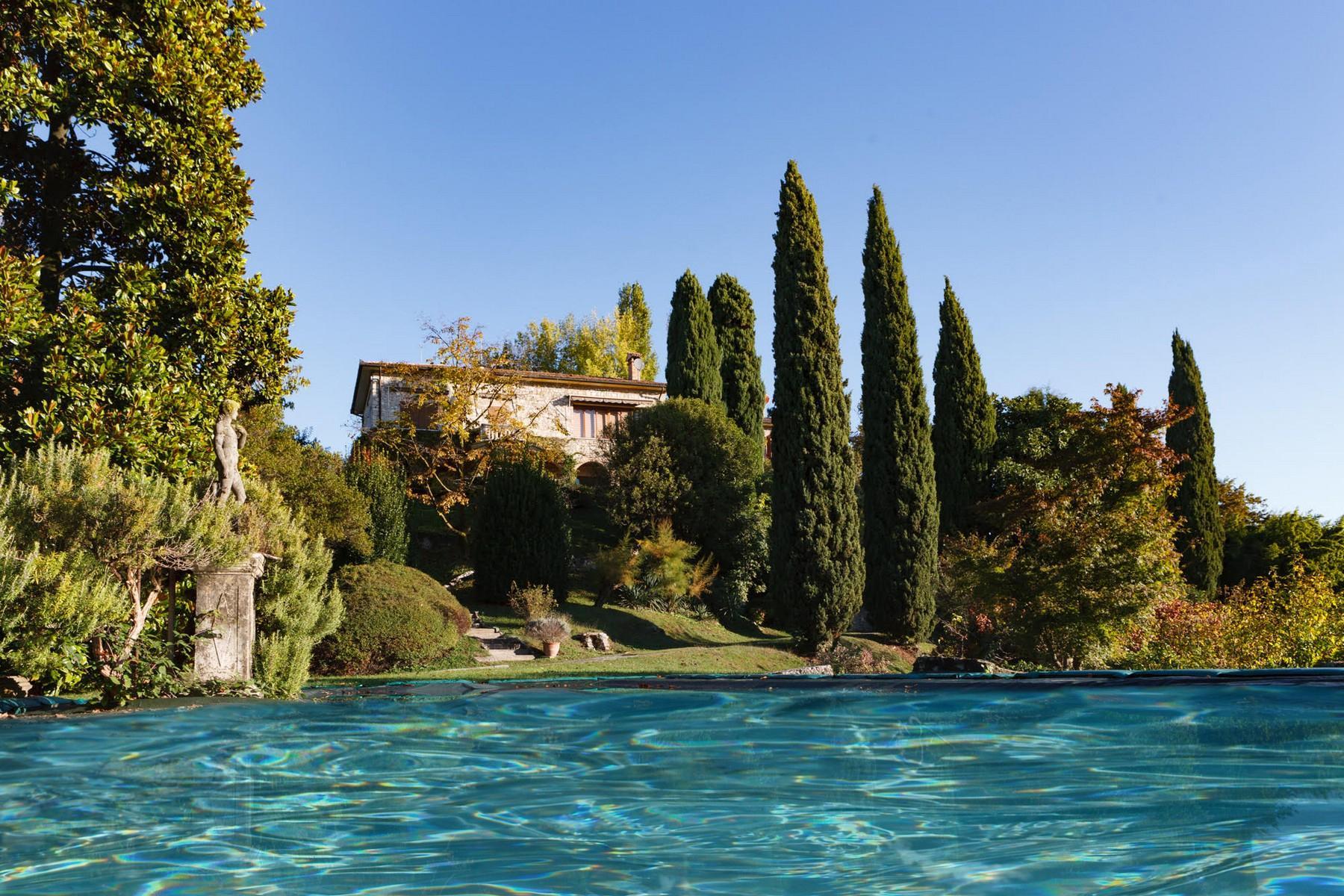 Spettacolare villa con piscina con vista totale sui colli asolani - 2