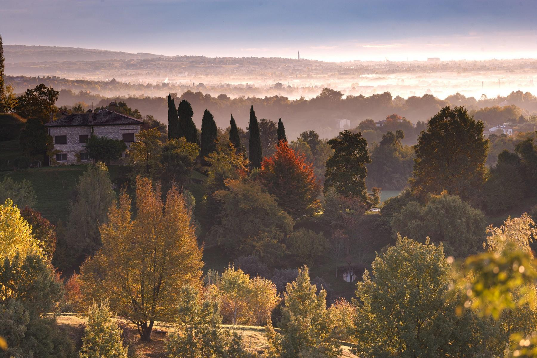 Villa with panoramic view of the hills surrounding Asolo - 10