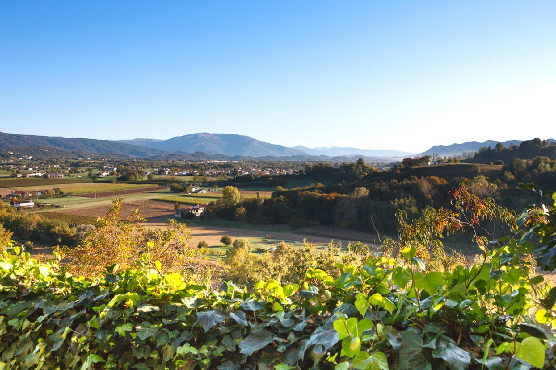 Villa with panoramic view of the hills surrounding Asolo - 14