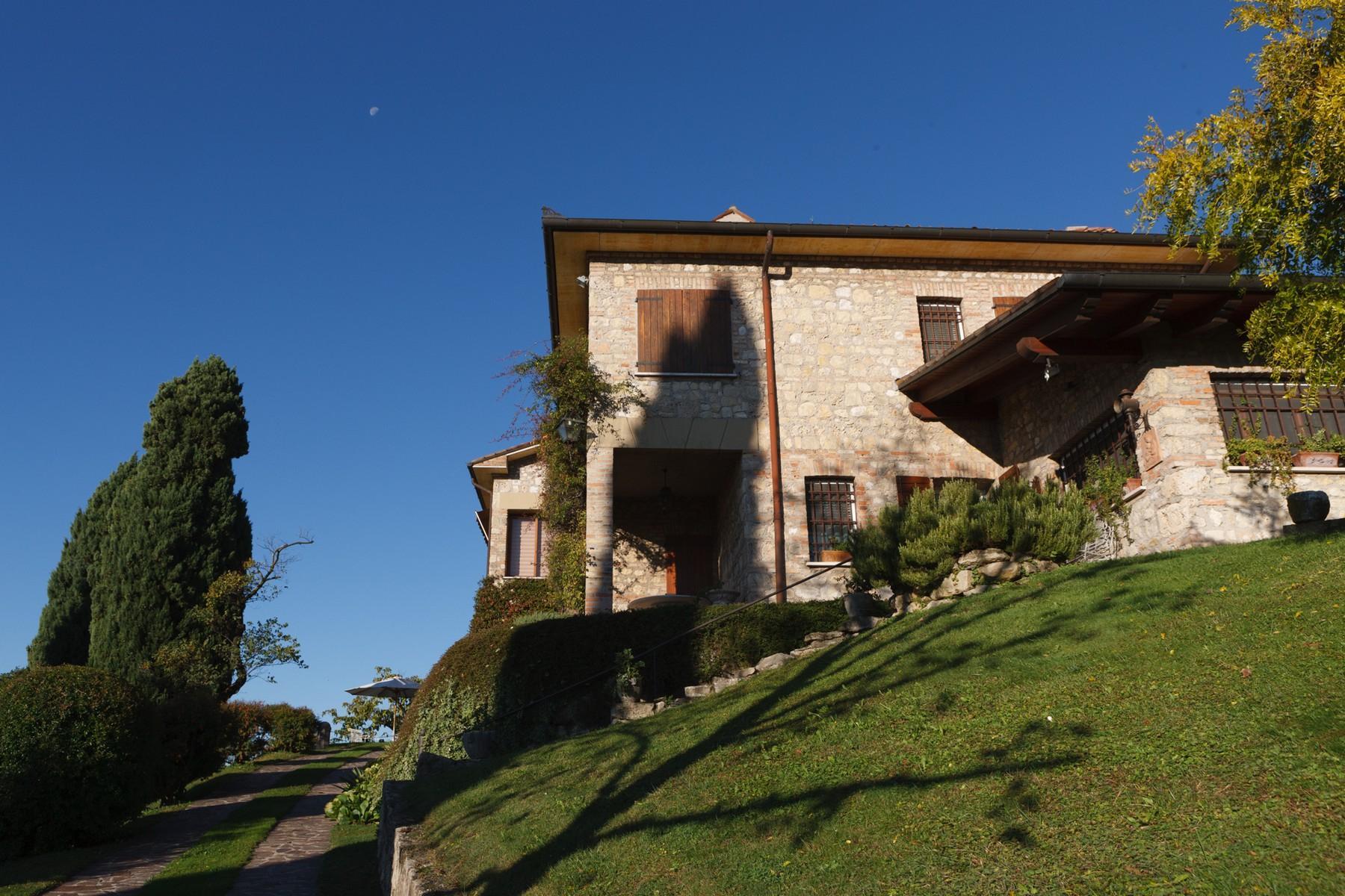 Spettacolare villa con piscina con vista totale sui colli asolani - 13