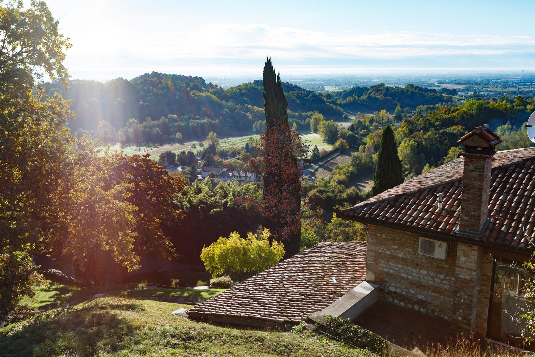 Villa with panoramic view of the hills surrounding Asolo - 12