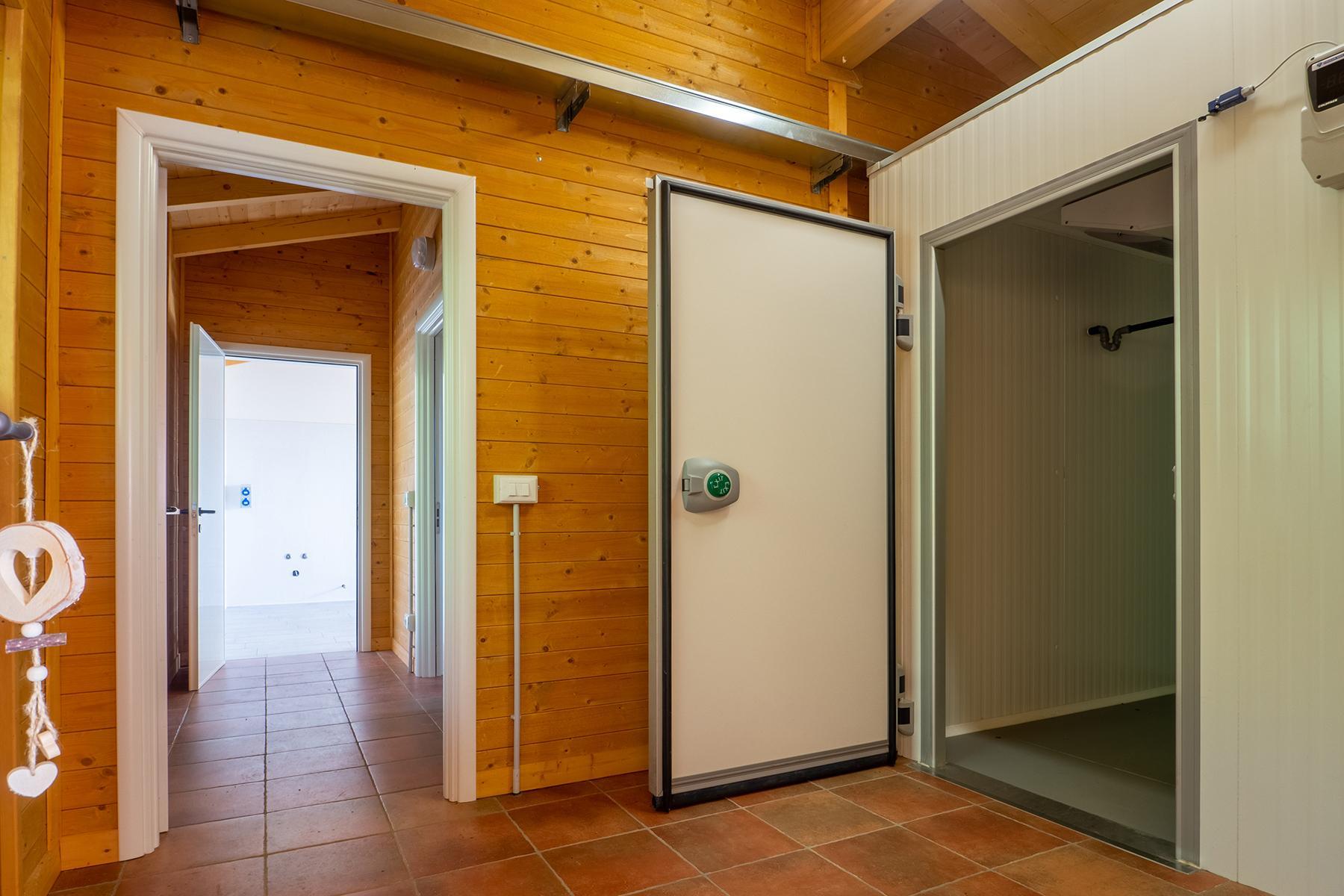 Modern villa in Biella - 19