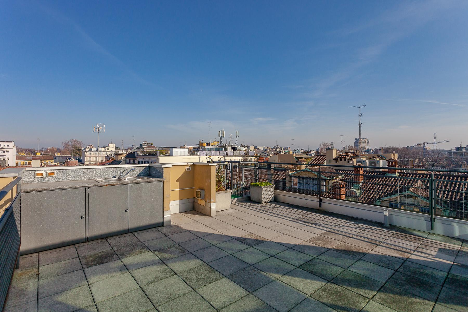 Panoramic Penthouse with terraces in the Fashion District - 4