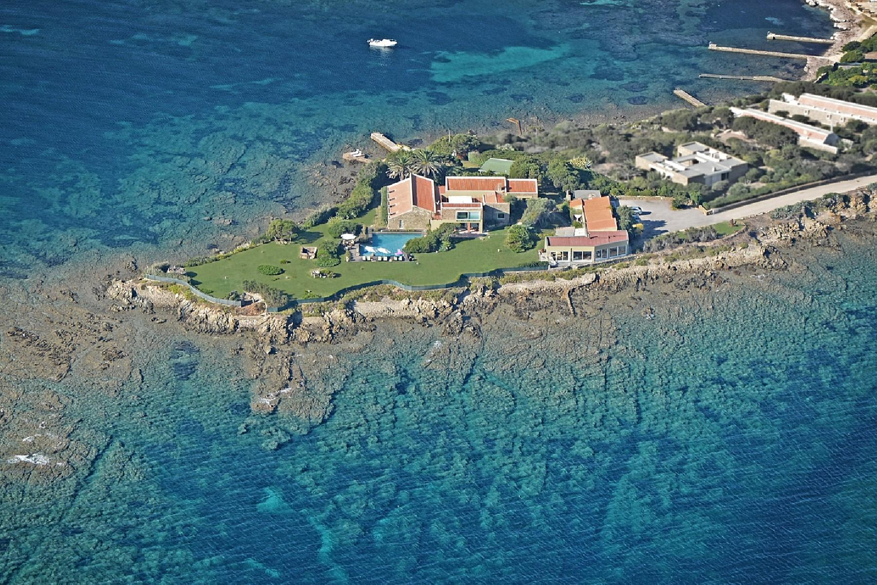 Villa pieds-dans-l'eau su una piccola penisola privata - 2