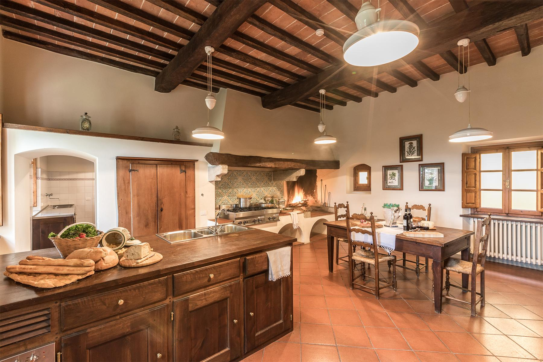 Majestic estate with XVIth century villa and hunting reserve. - 40